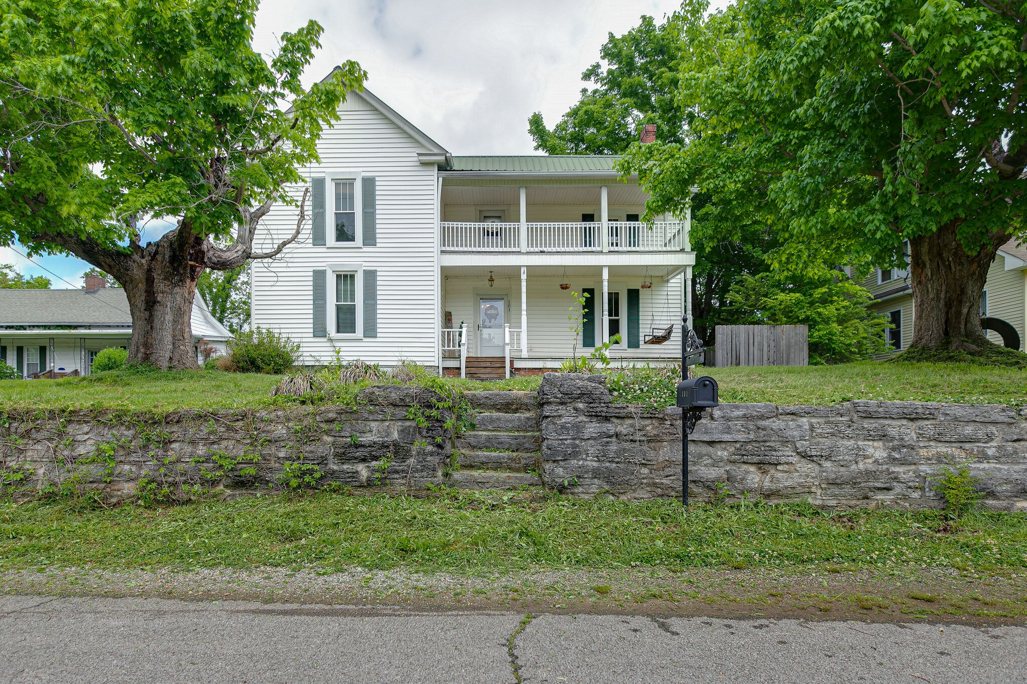 101 Waters St Property Photo - Centerville, TN real estate listing
