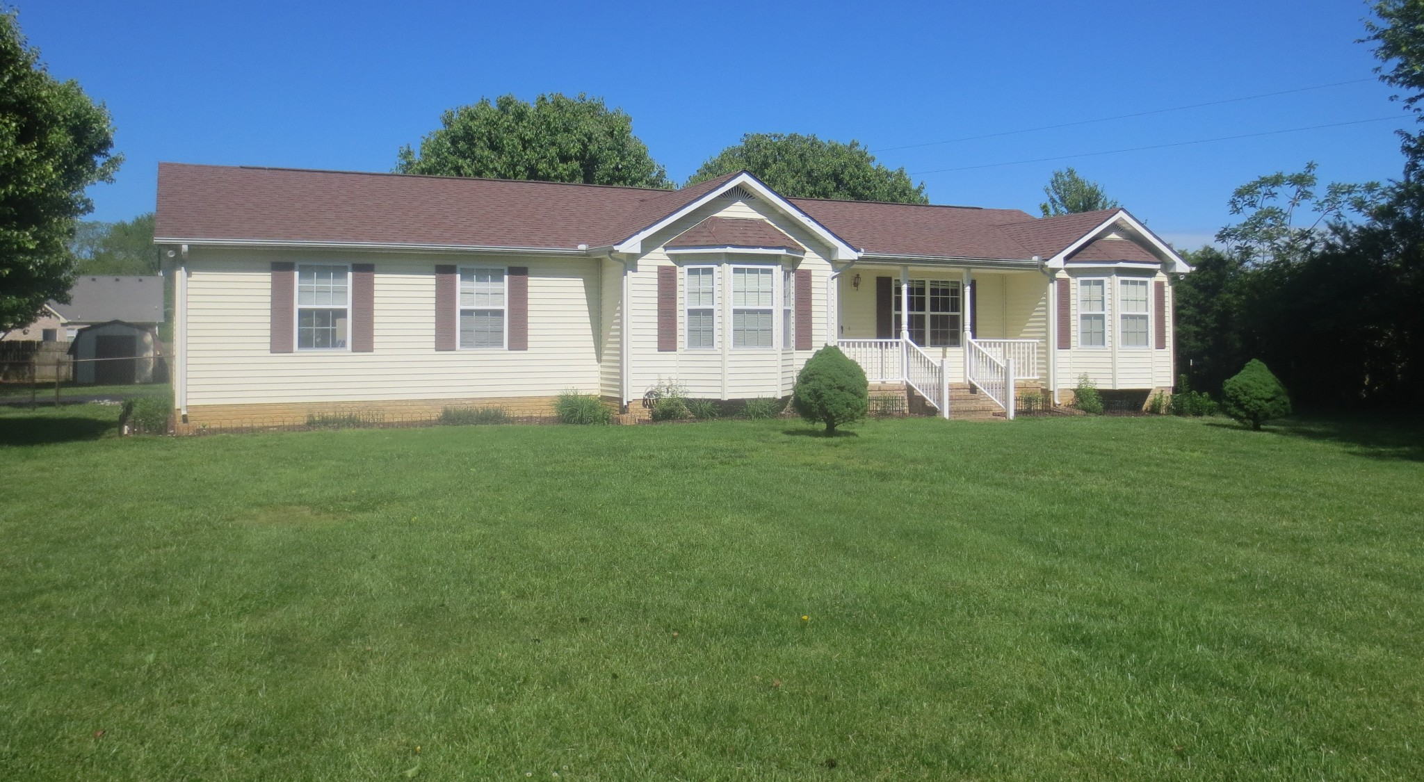 123 Webb Ln Property Photo - Lafayette, TN real estate listing