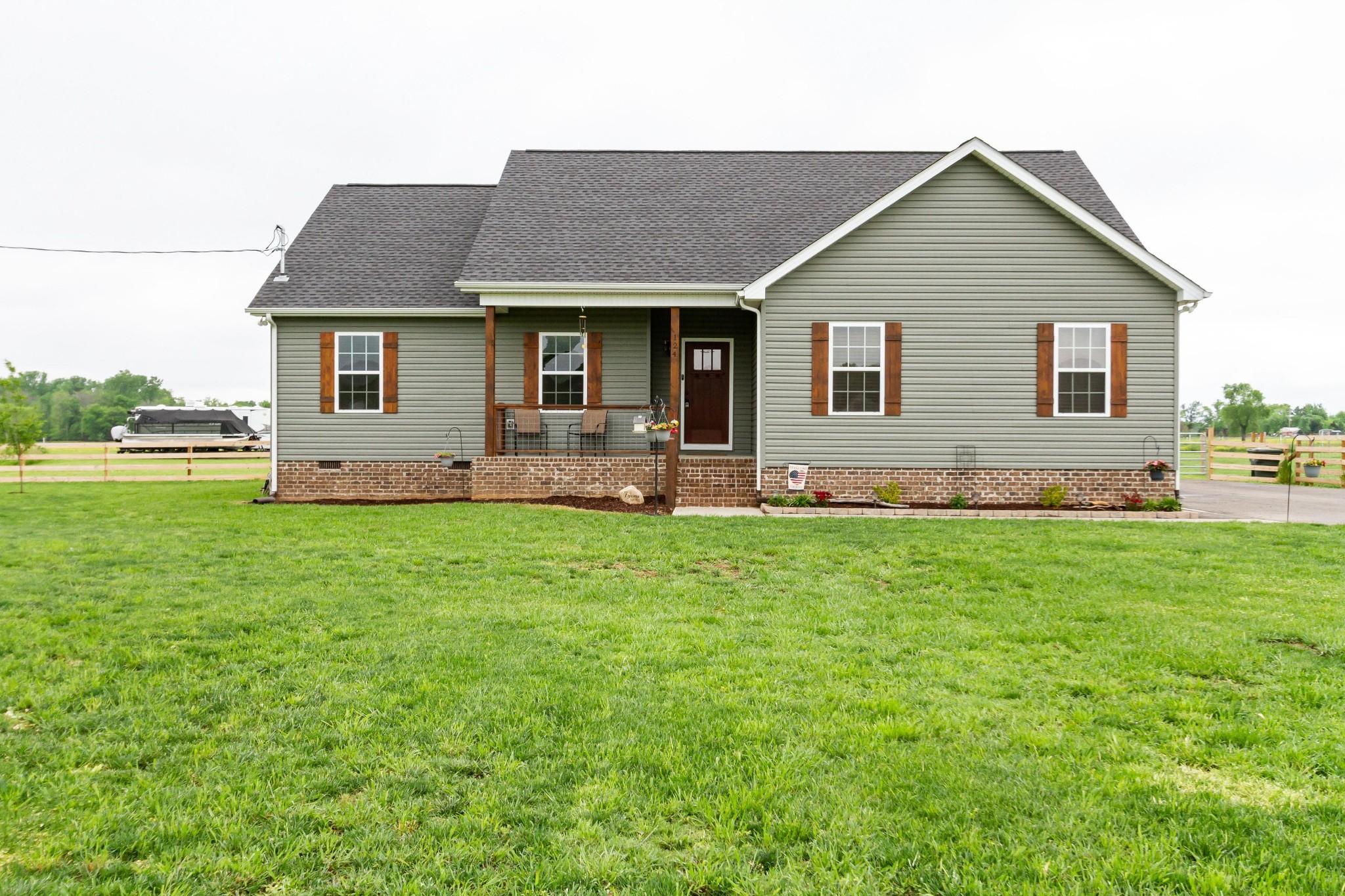 124 Hazelnut Ln Property Photo - Unionville, TN real estate listing
