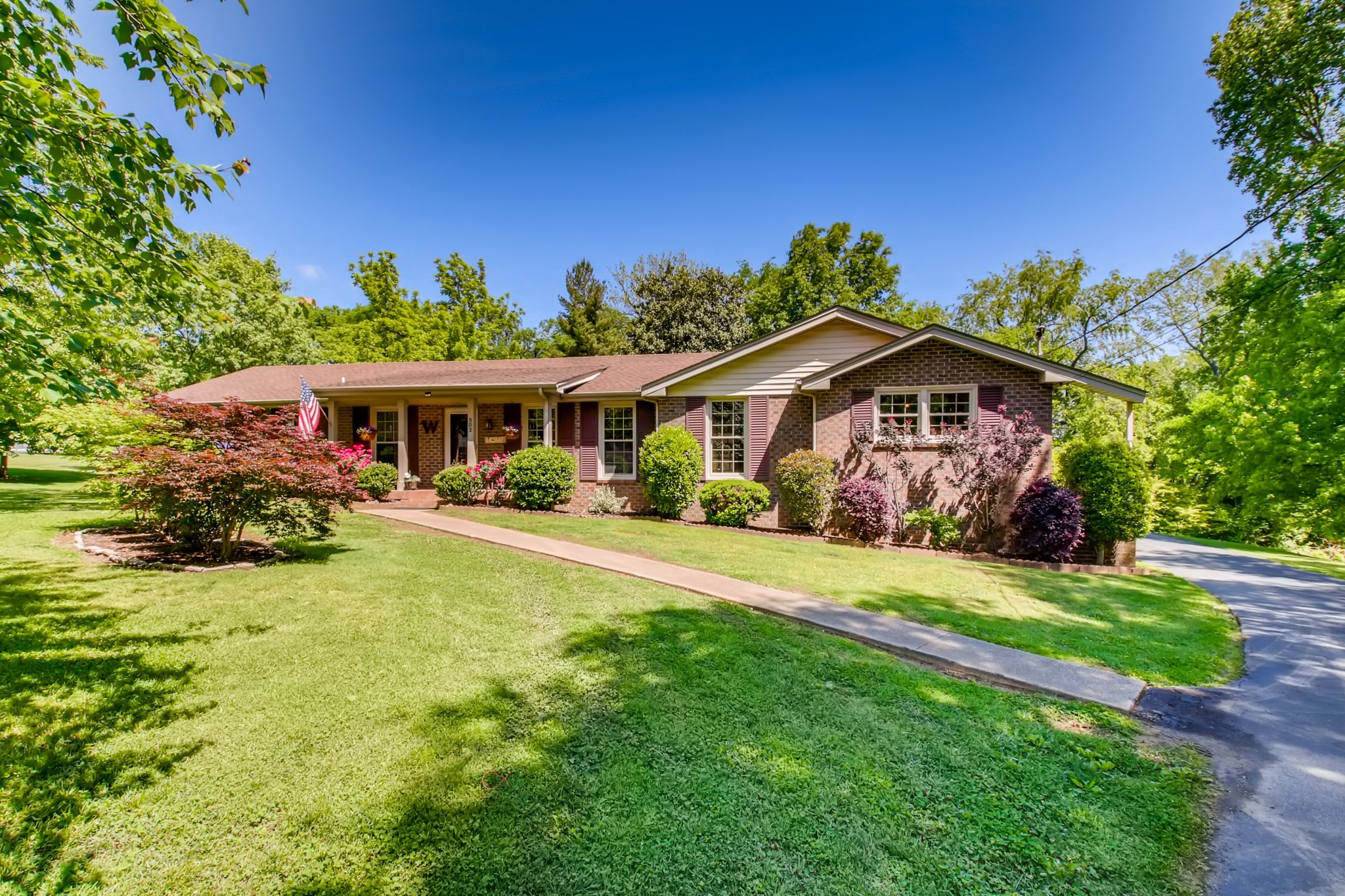 502 Suzanne Ct Property Photo - Mount Juliet, TN real estate listing