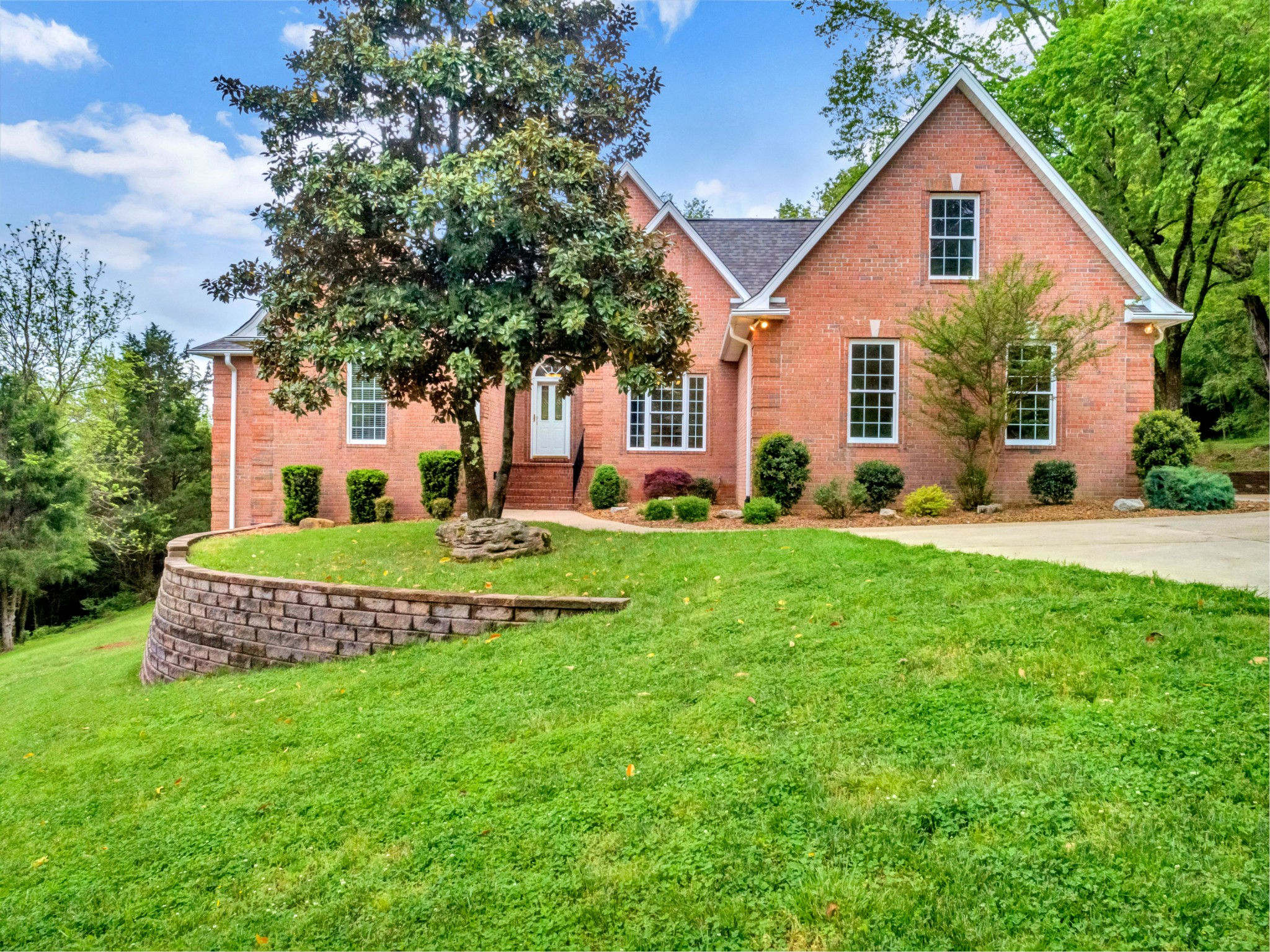 141 Haze Hyde Hollow Rd Property Photo - Bethpage, TN real estate listing