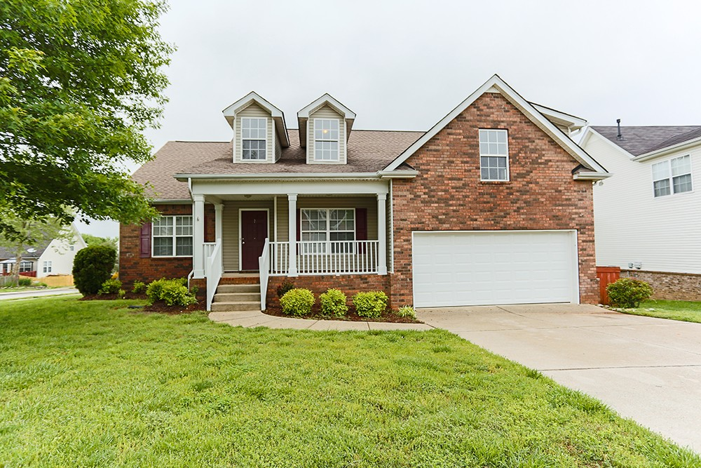 1252 Chapmans Retreat Dr Property Photo - Spring Hill, TN real estate listing