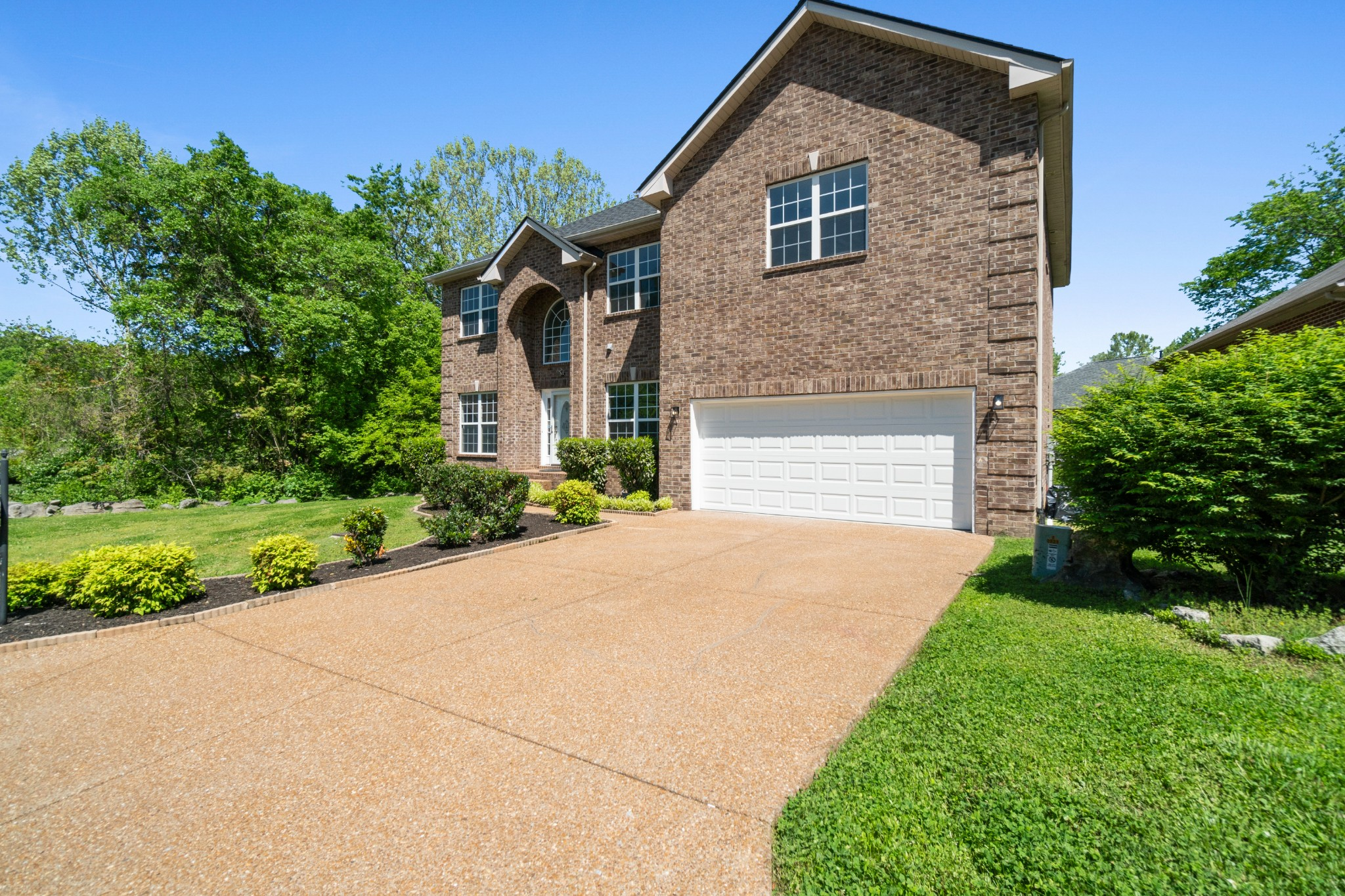 2317 Forest Lake Dr Property Photo - Nashville, TN real estate listing