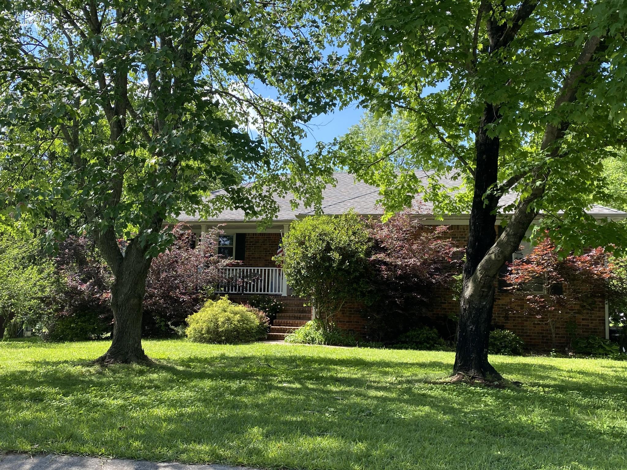 2315 Crown Hill Dr Property Photo - Murfreesboro, TN real estate listing