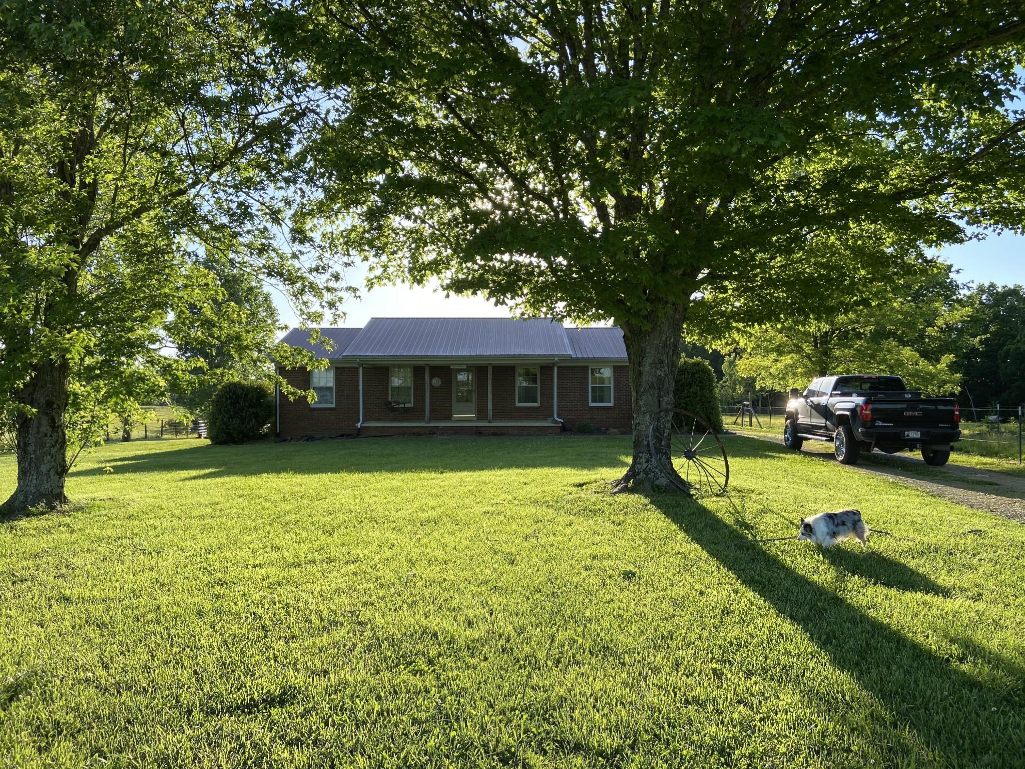 165 Piney Rd W Property Photo - Lawrenceburg, TN real estate listing