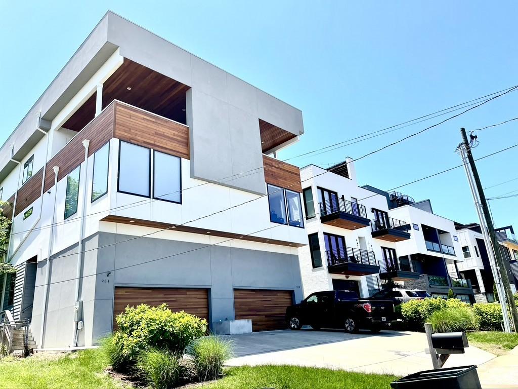 951 Southside Pl Property Photo