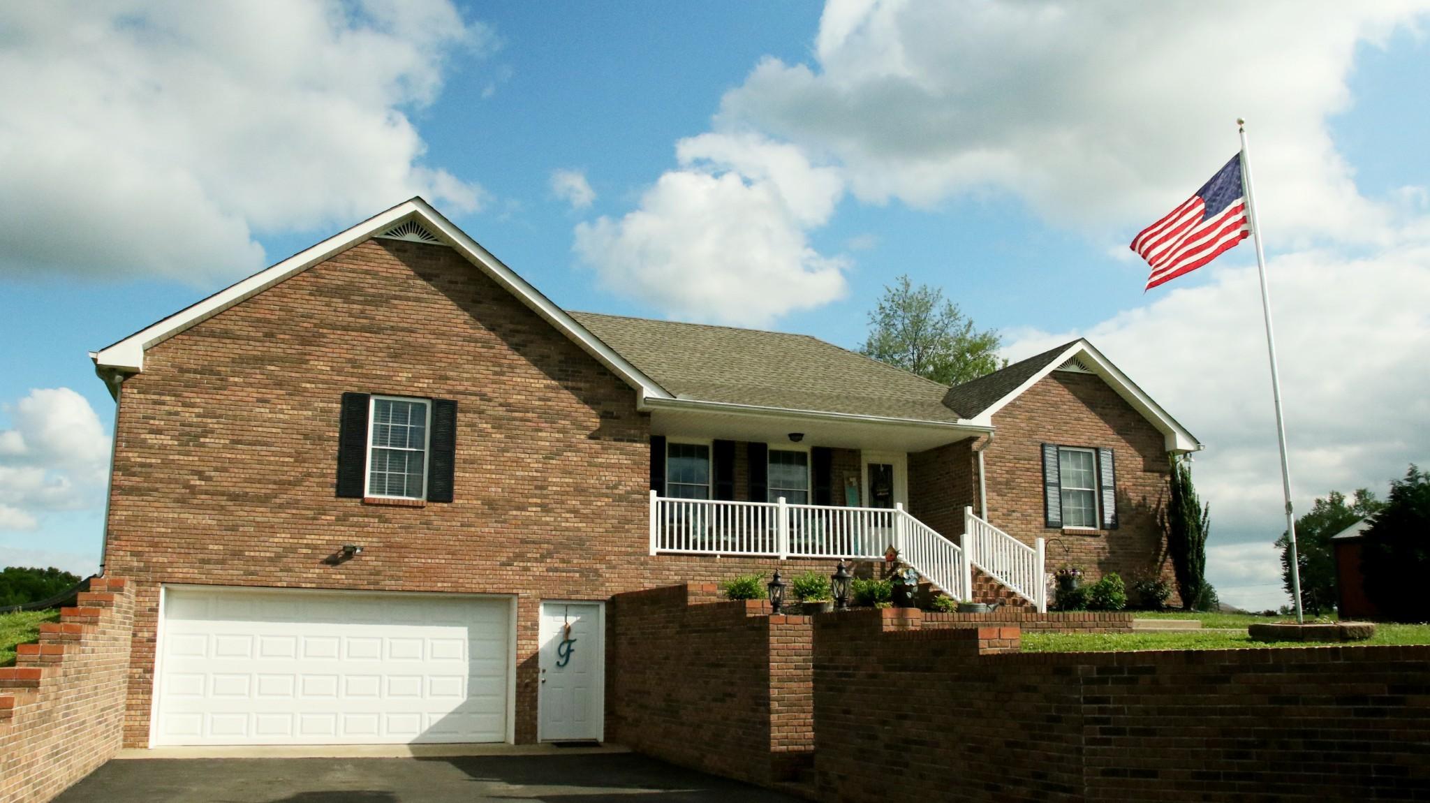 72 Kelly Ln Property Photo - Lafayette, TN real estate listing