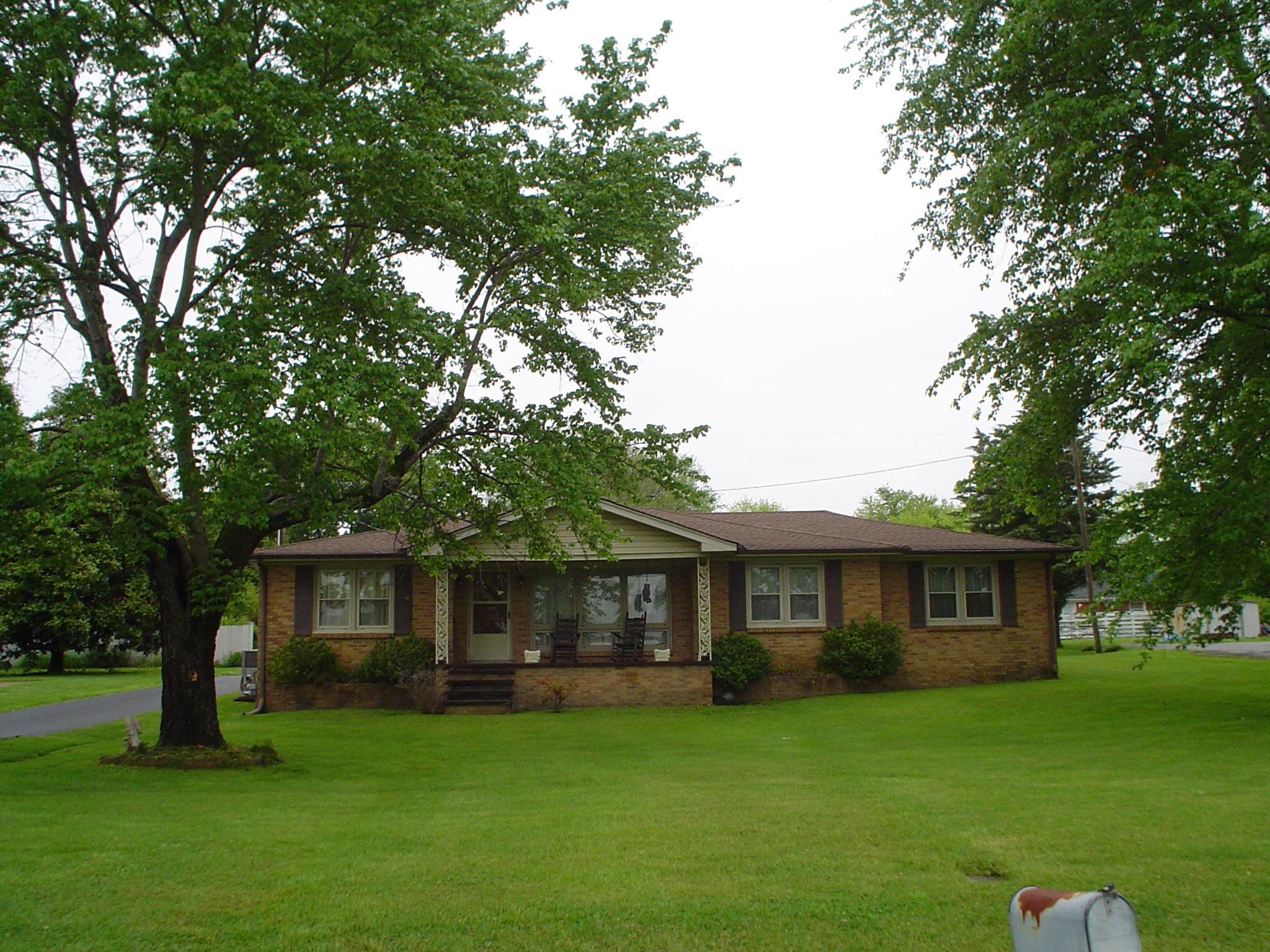 303 Galen Rd SE Property Photo - Lafayette, TN real estate listing