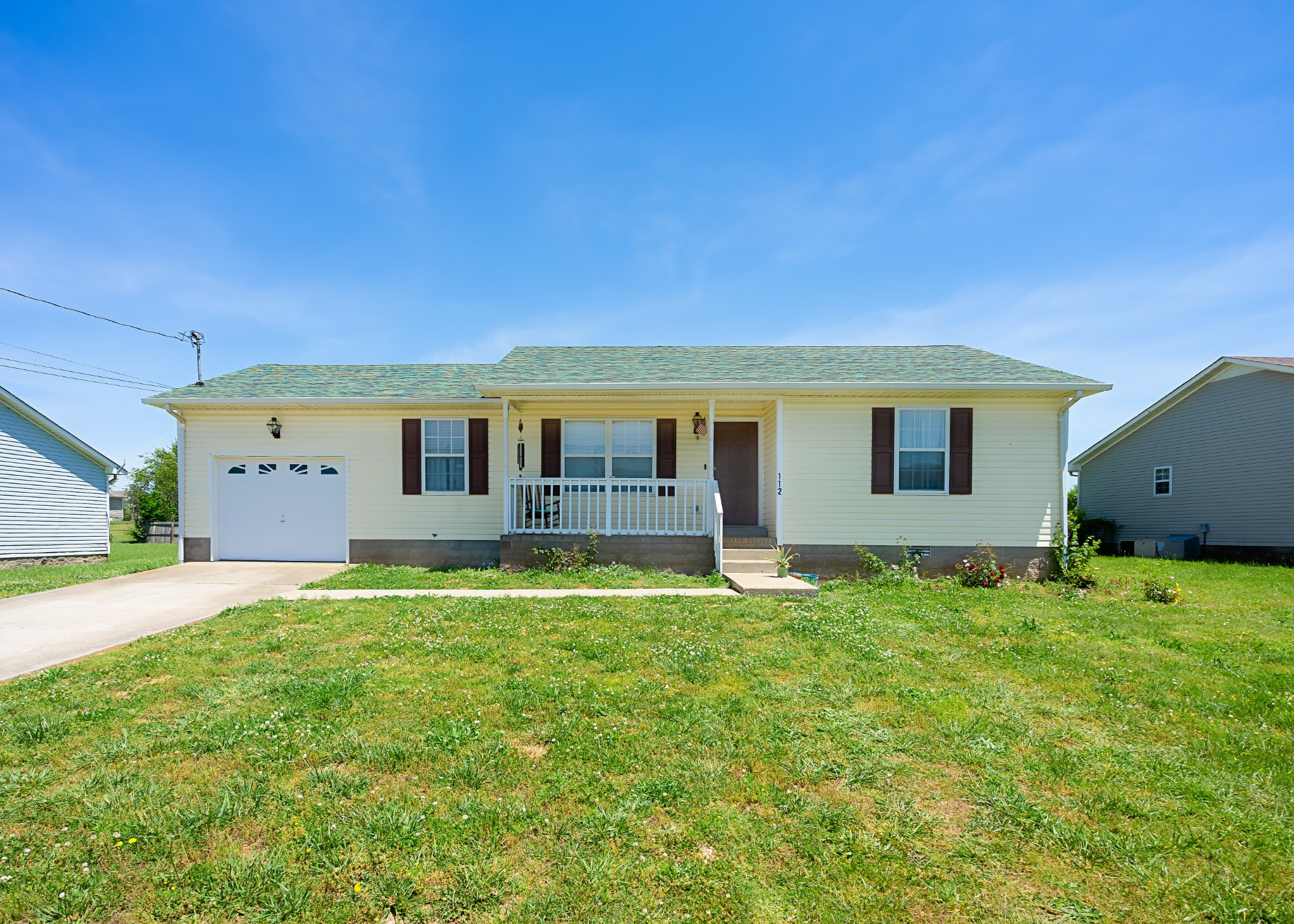 112 Gleaves Ln Property Photo - Oak Grove, KY real estate listing