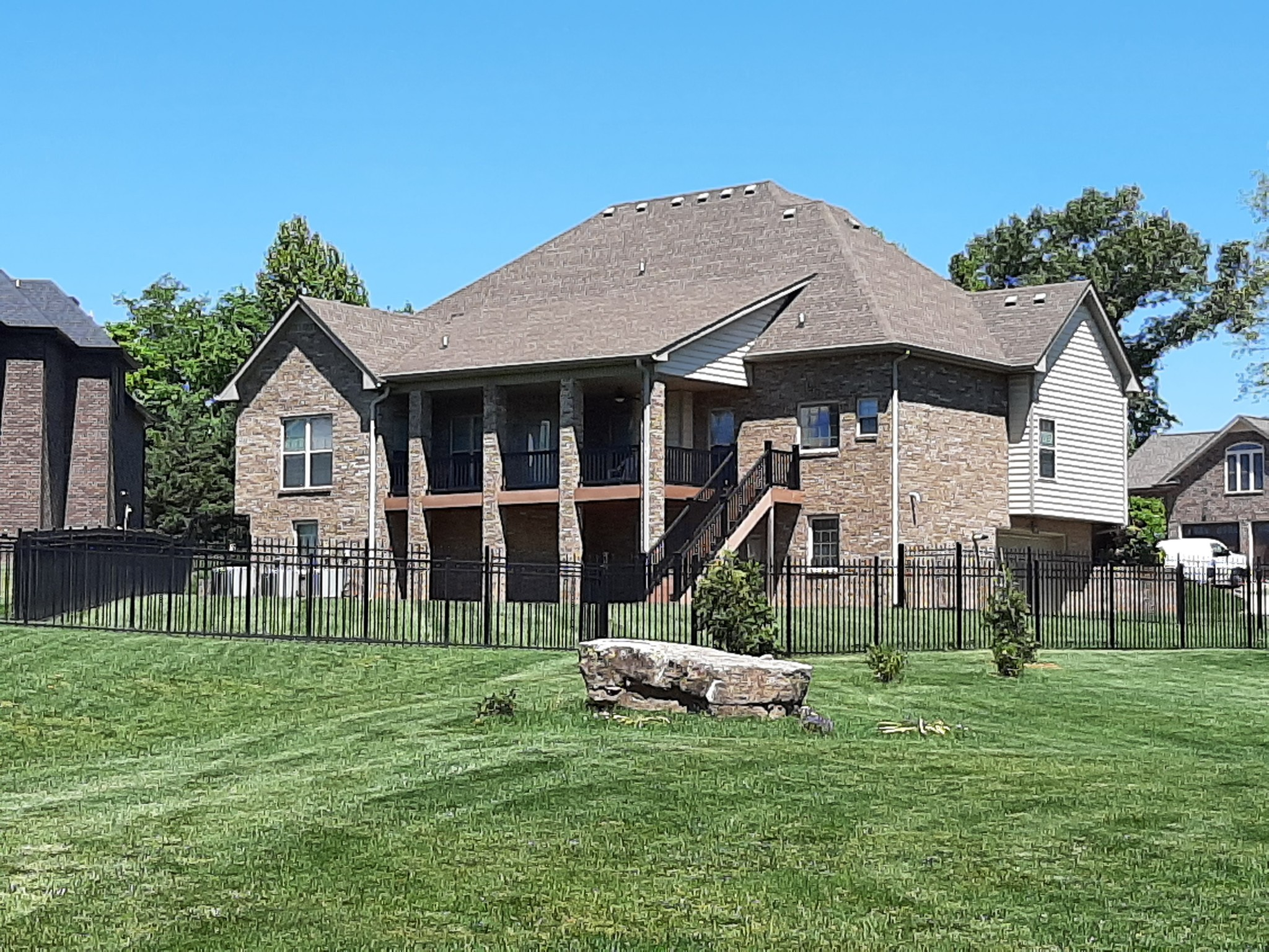 104 Roanoke Station Cir Property Photo 1