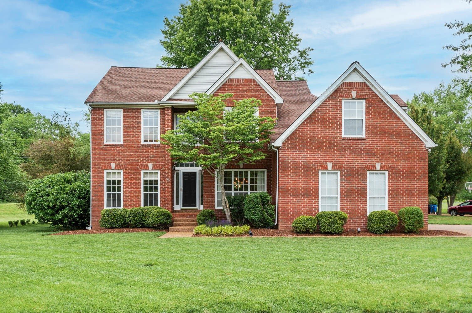 Amber Glen Real Estate Listings Main Image