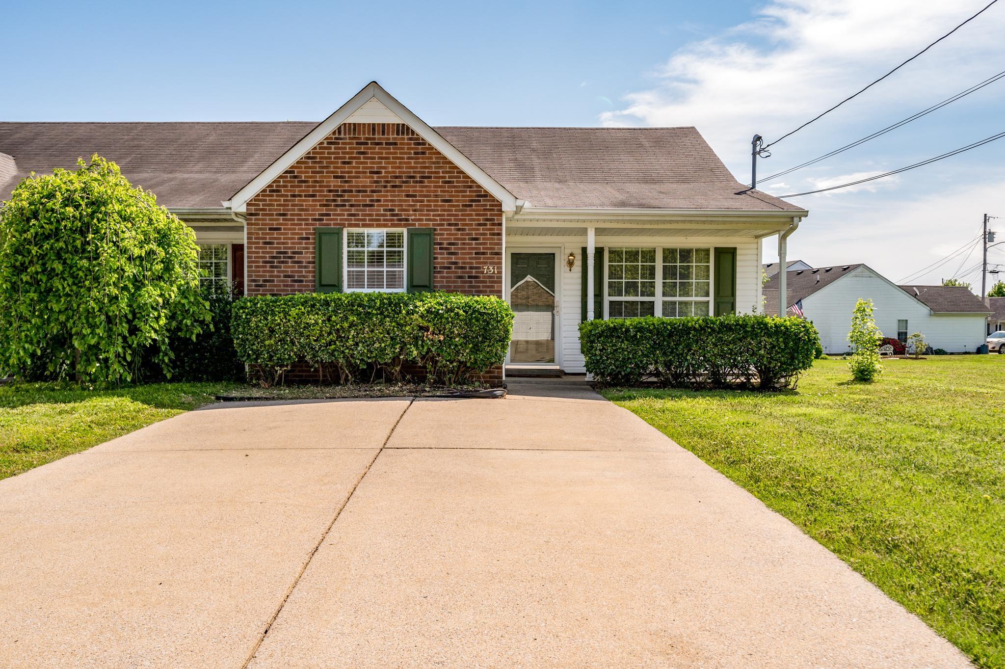 731 Dellwood Drive Property Photo - Smyrna, TN real estate listing
