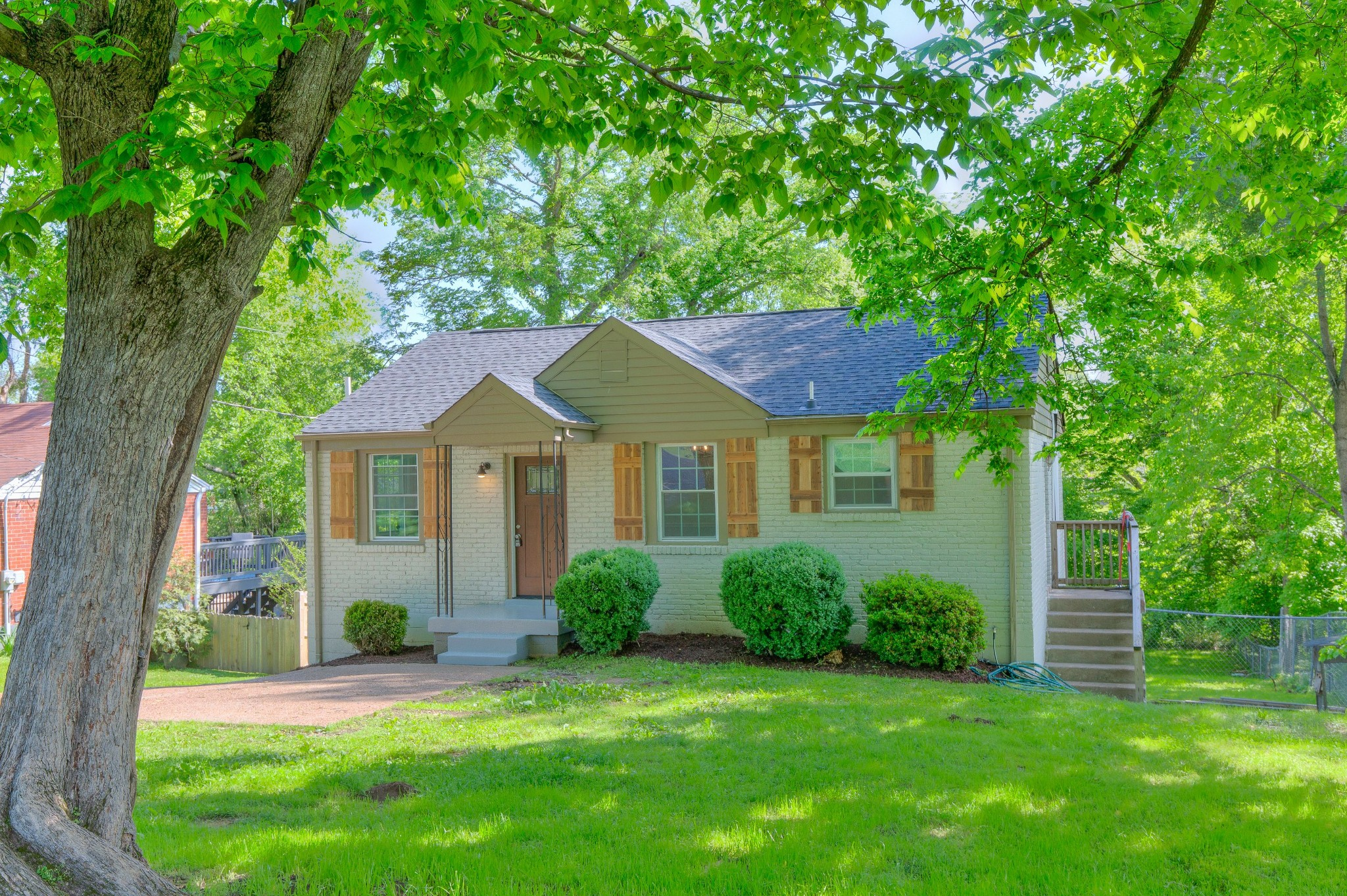 2331 Fernwood Dr Property Photo - Nashville, TN real estate listing