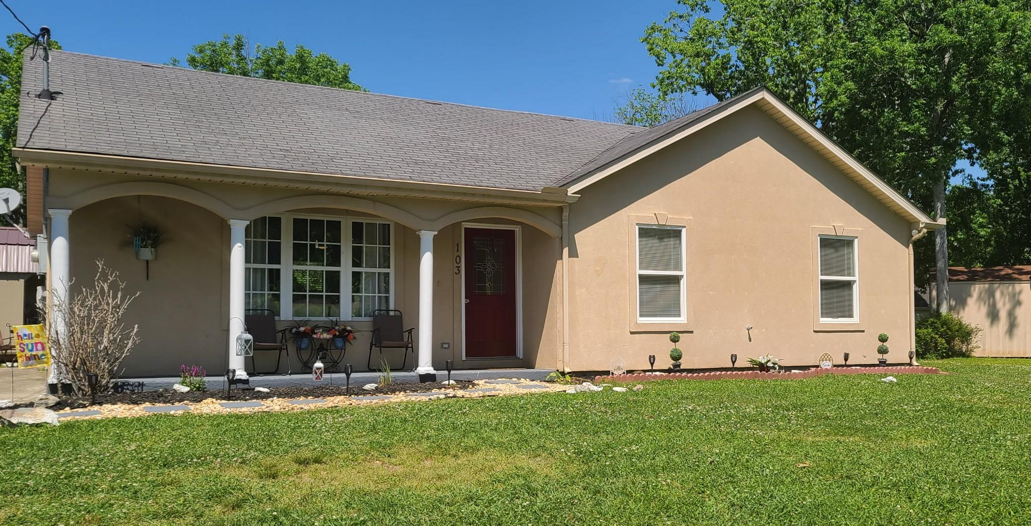 103 Whispering Oaks Dr Property Photo - Shelbyville, TN real estate listing