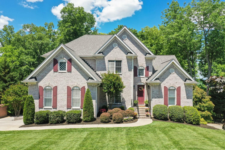 610 Five Oaks Blvd Property Photo 1