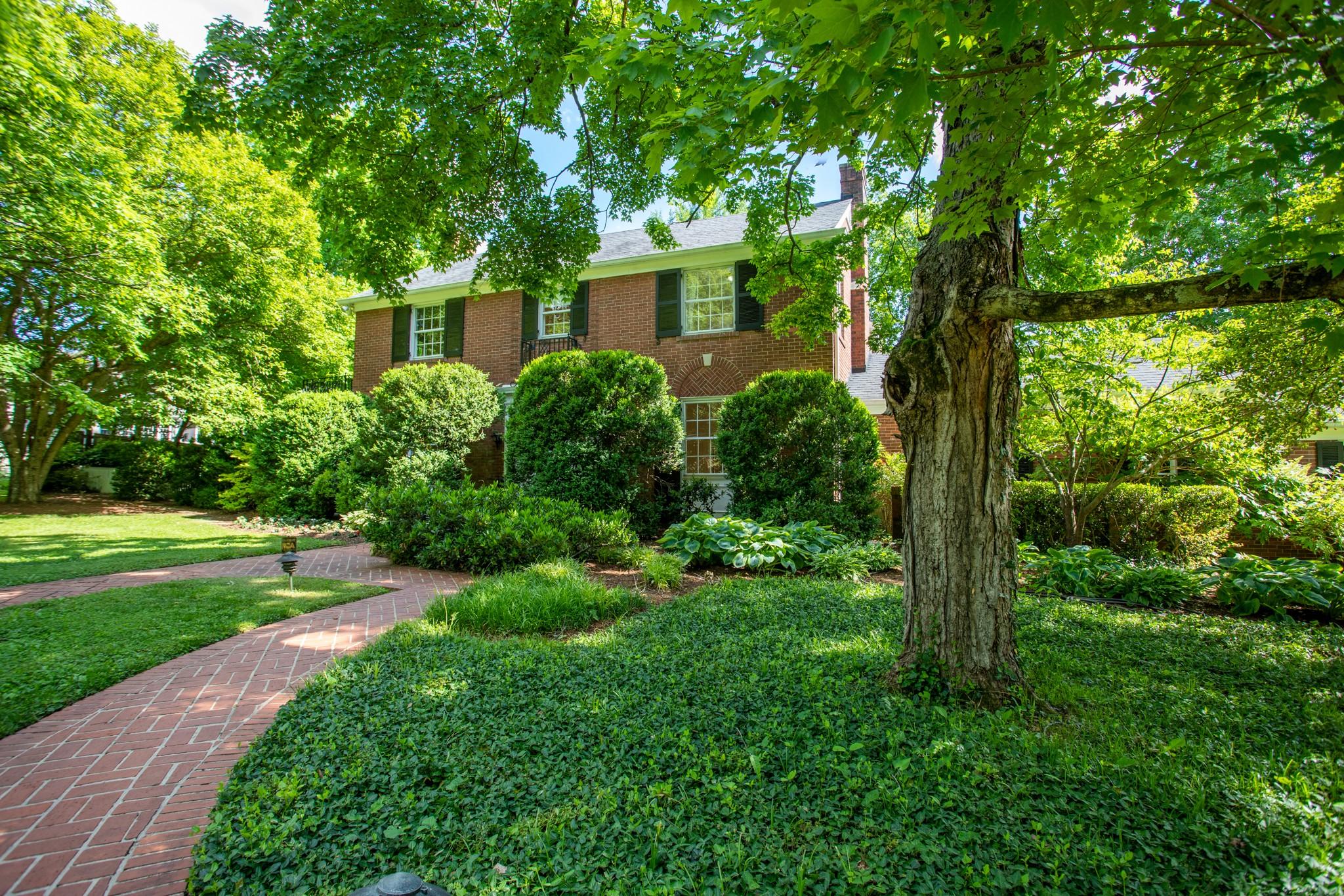 2211 Hampton Ave Property Photo