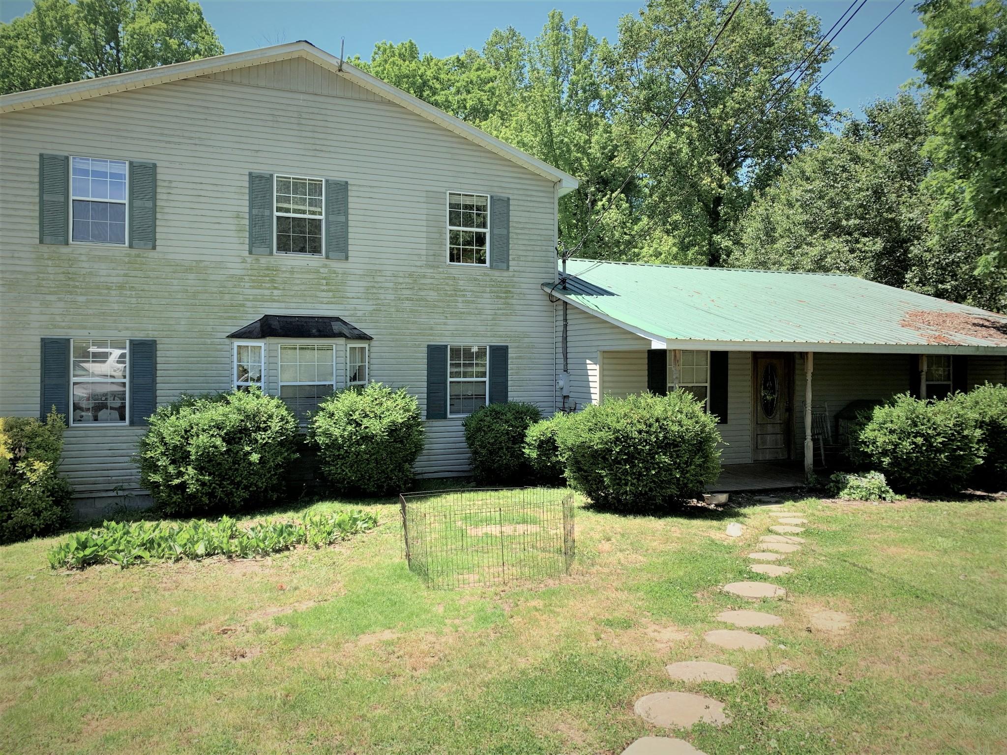 257 Oaks Rd Property Photo