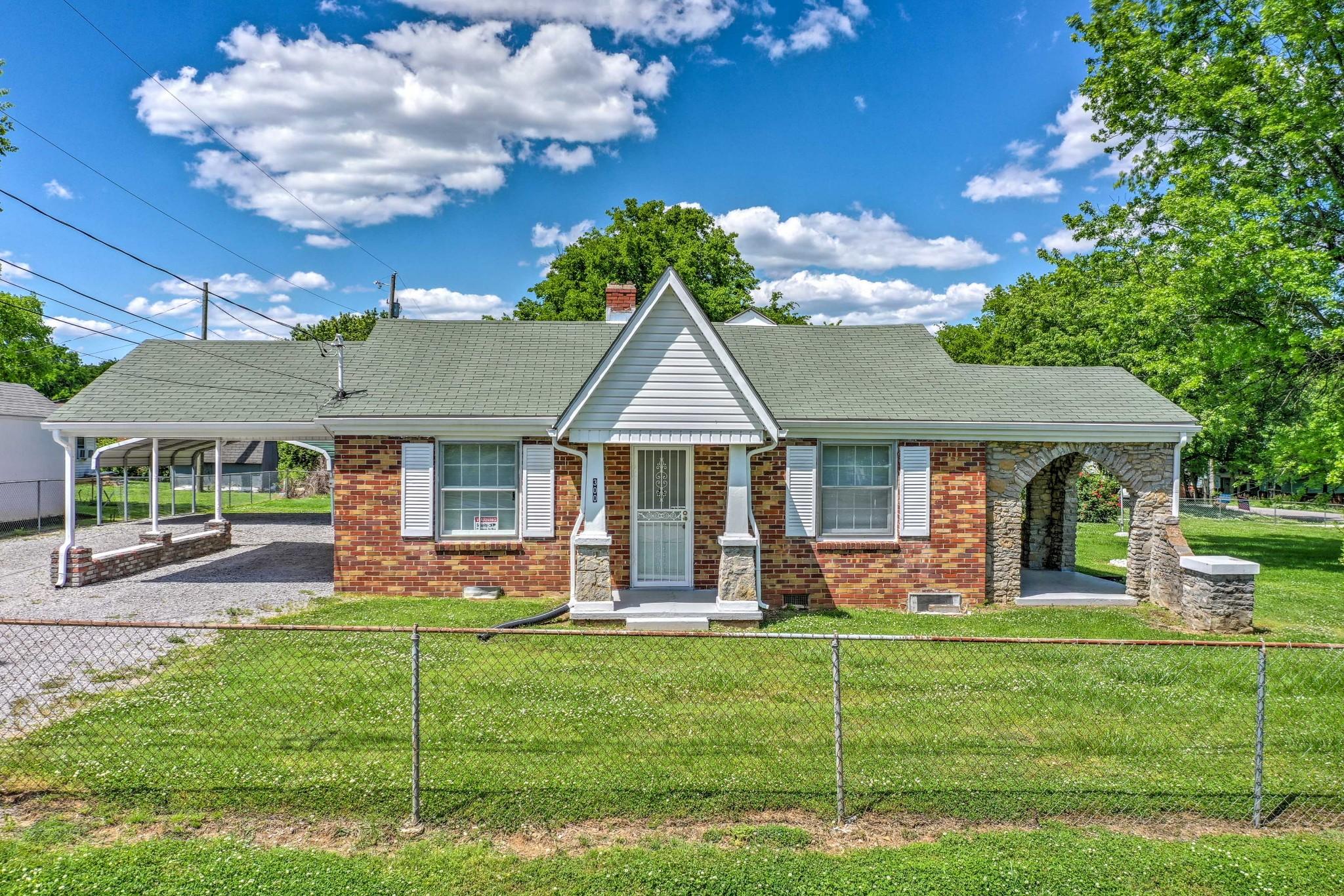 300 Mcarthur Dr Real Estate Listings Main Image