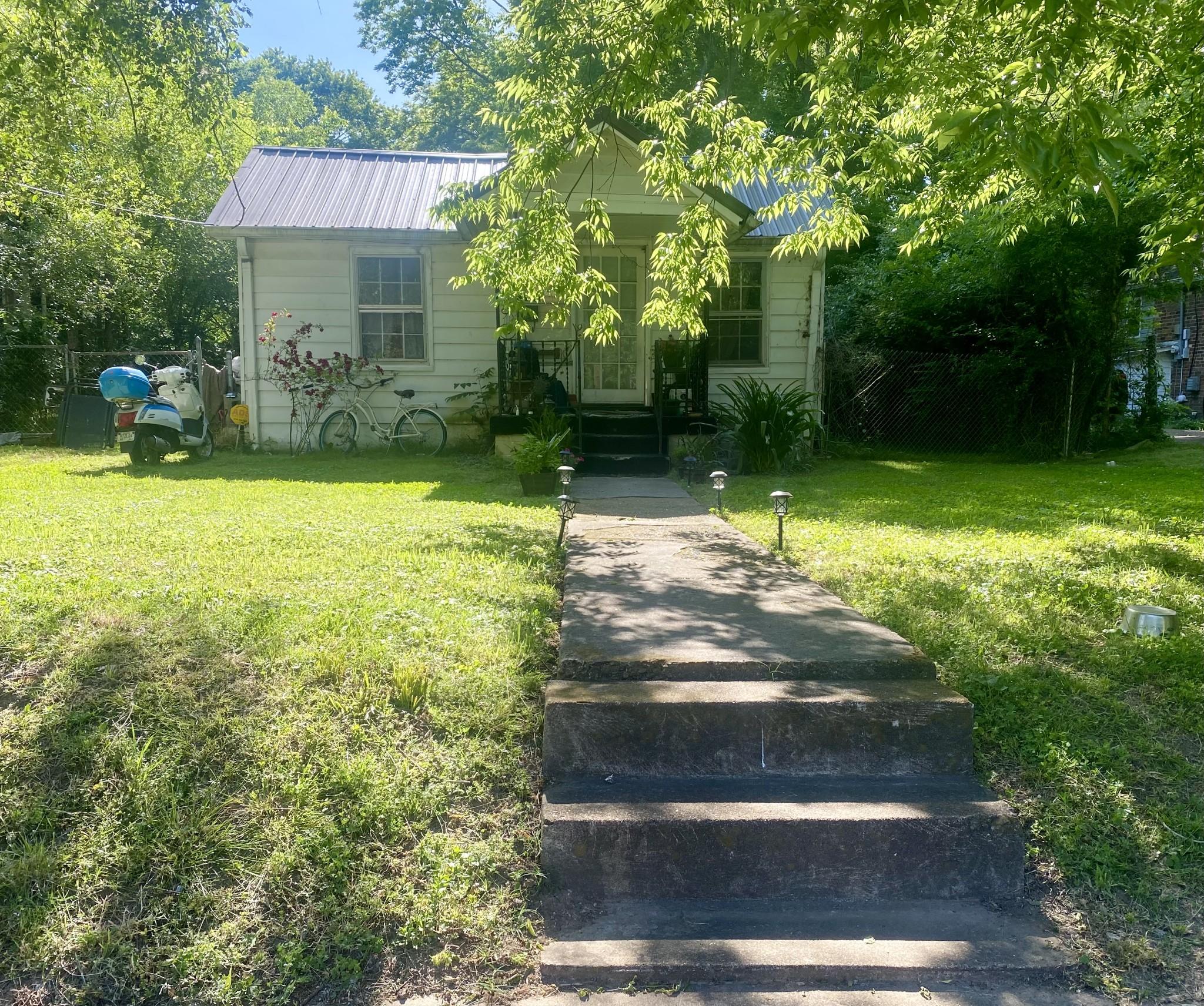 417 Myrtle St Property Photo