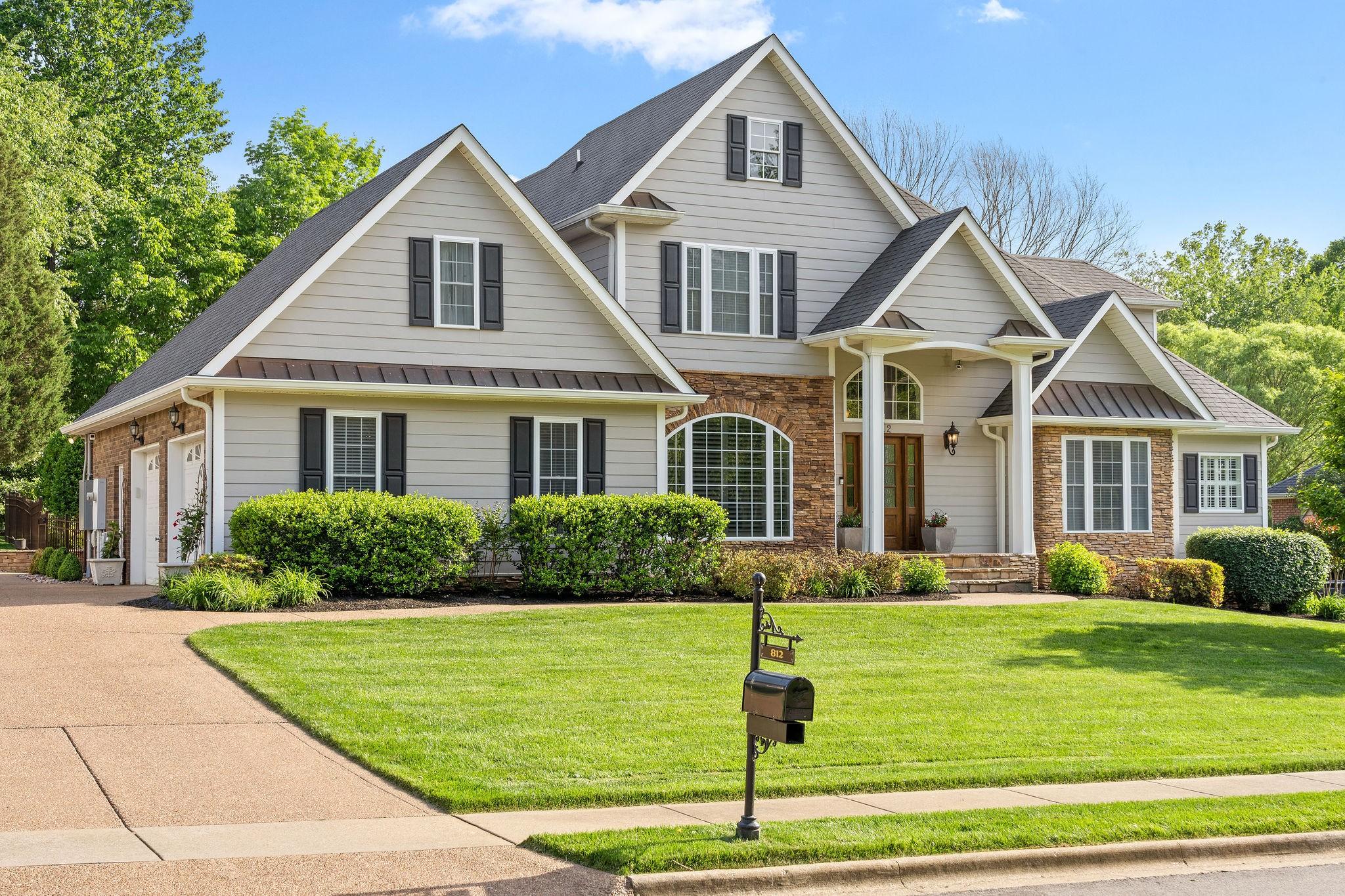 812 Salisbury Way Property Photo 1