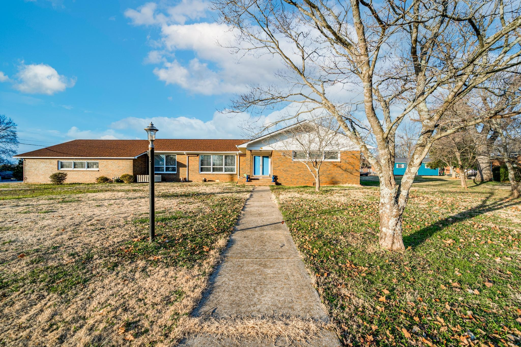 206 Woodland Dr Property Photo 1