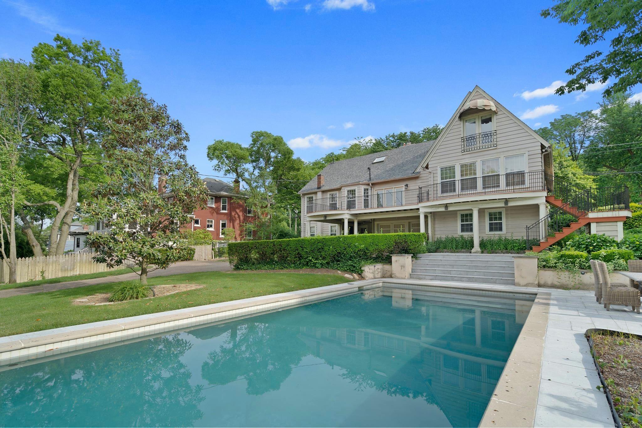 1808 Blair Blvd Property Photo