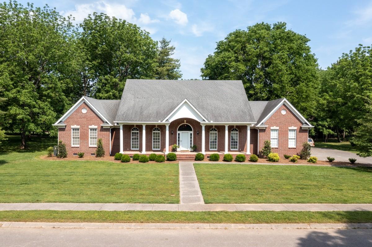 1046 Grassland Chase Dr Property Photo