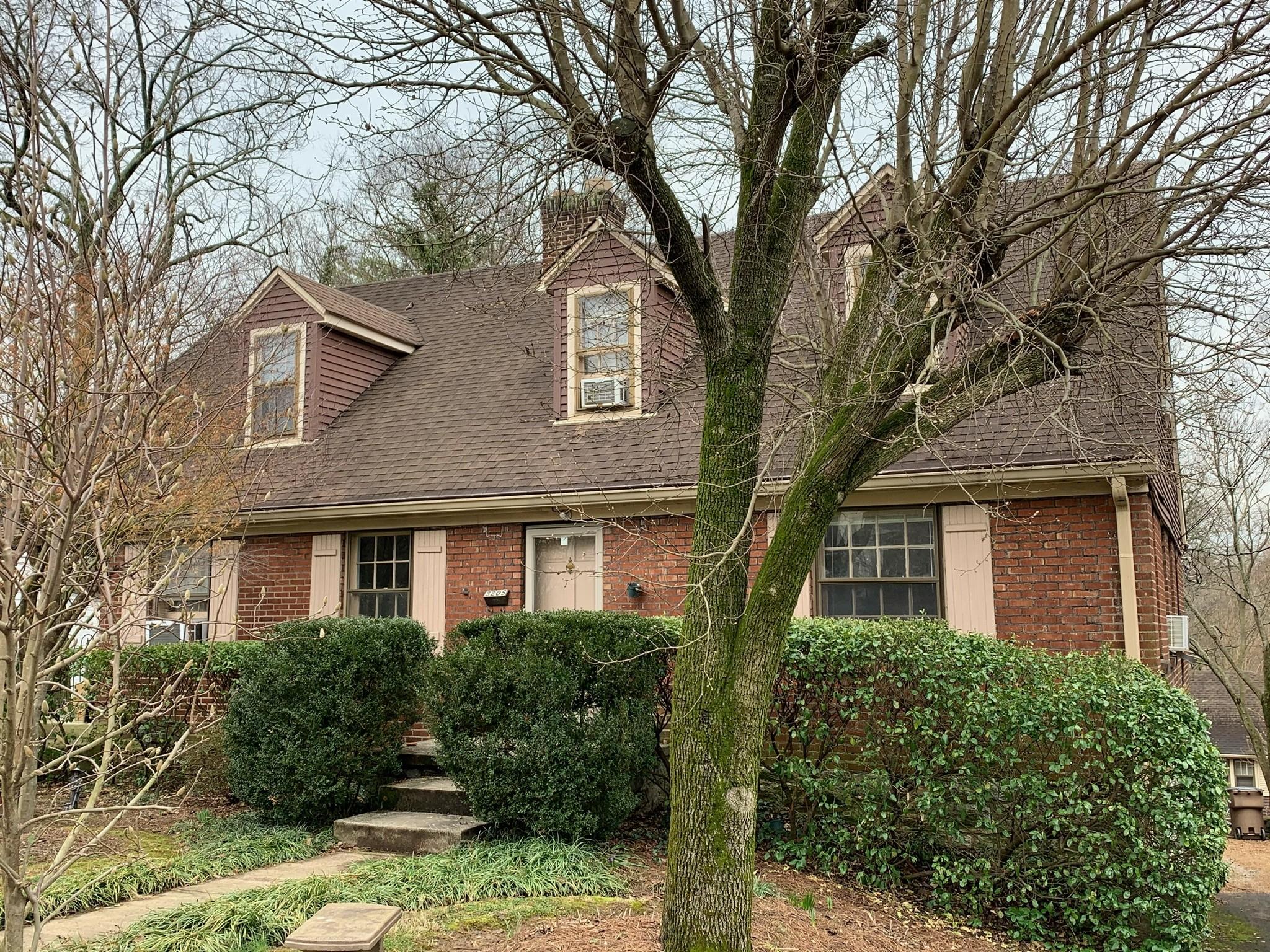 3205 Acklen Ave Property Photo 1