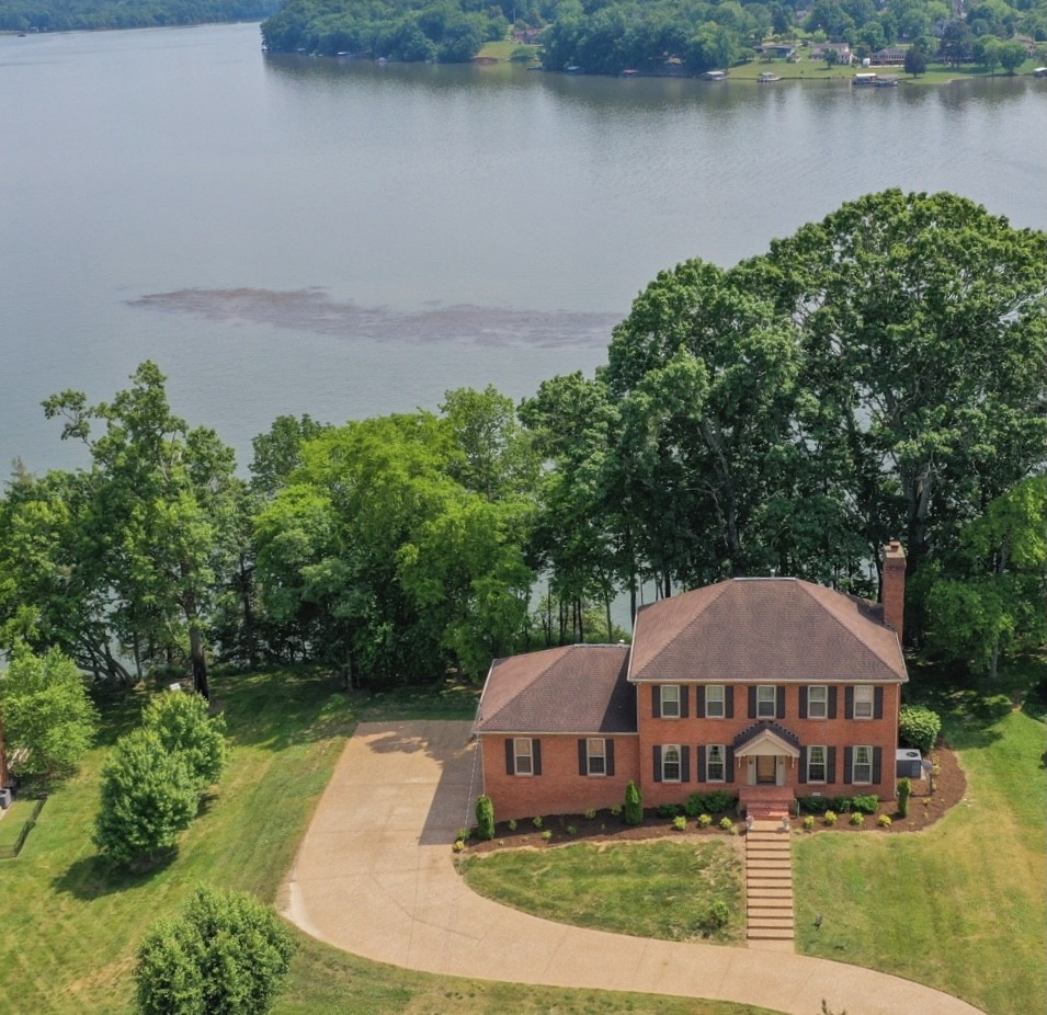 174 River Chase Property Photo 1