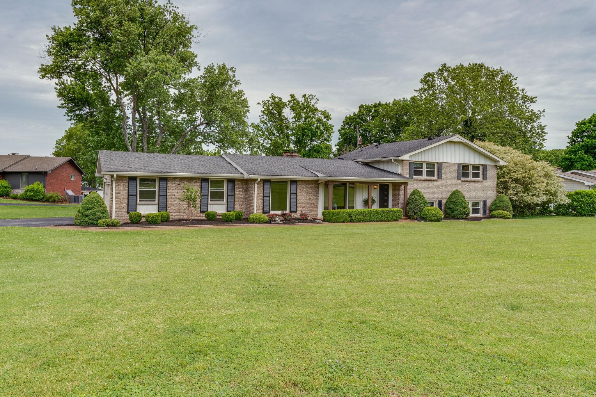 270 Lake Terrace Dr Property Photo 1