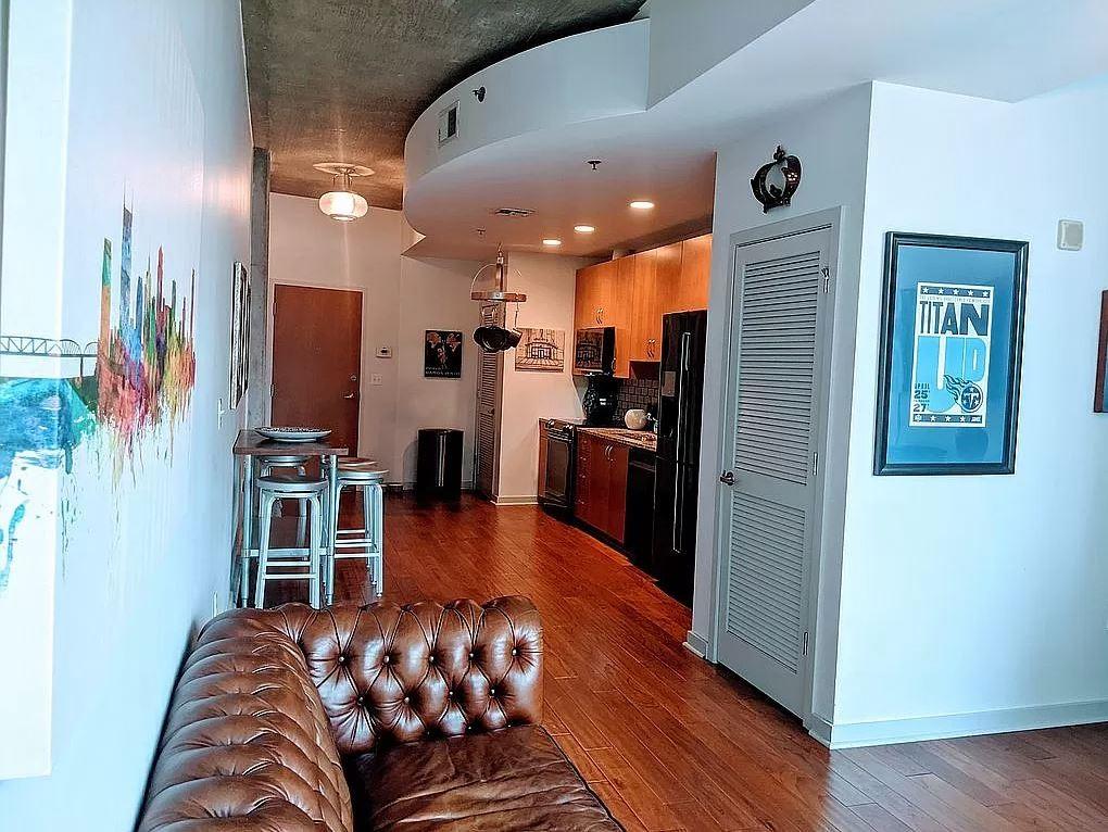301 Demonbreun St #817 Property Photo