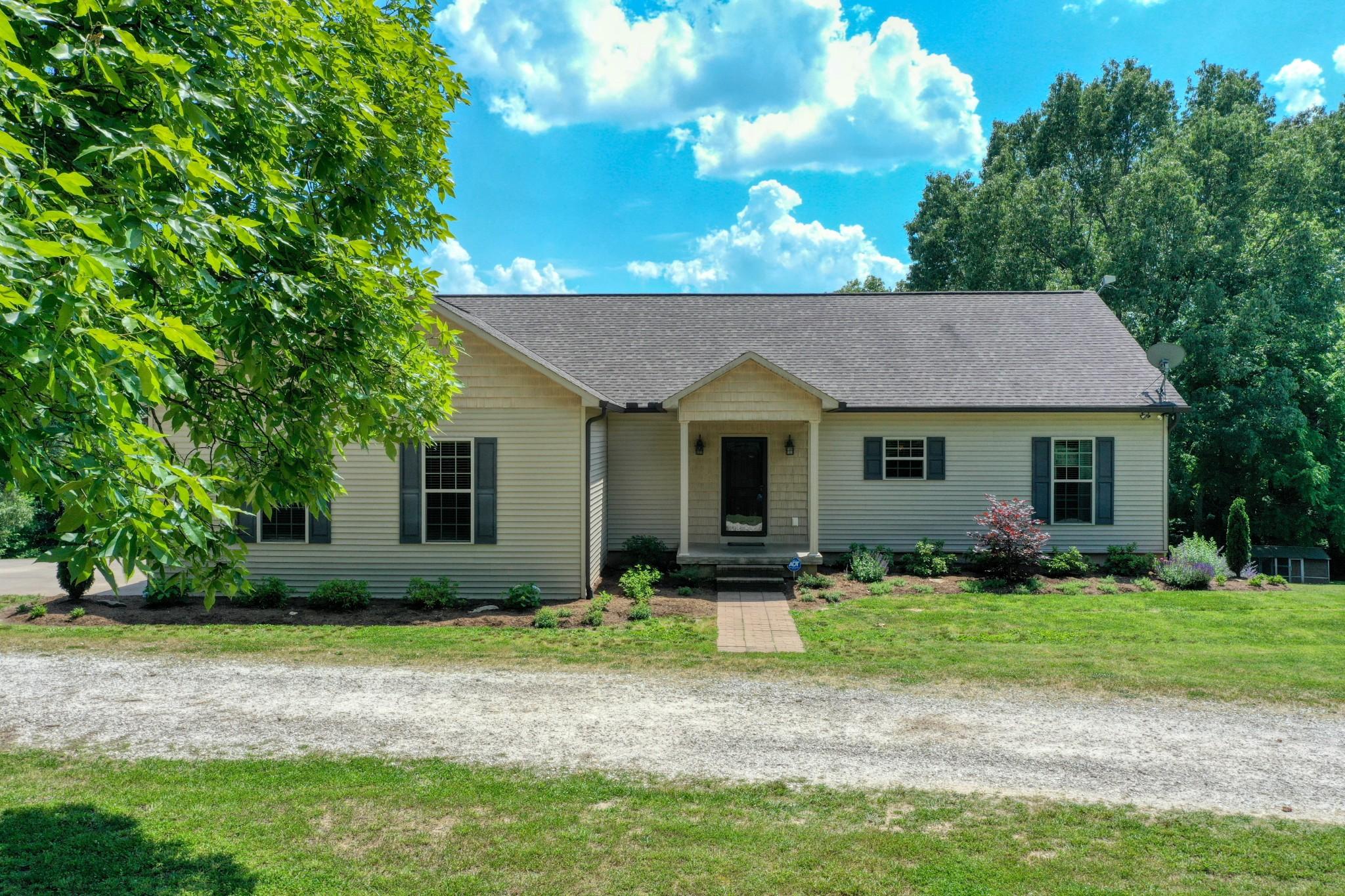 Mc Kenzie Real Estate Listings Main Image