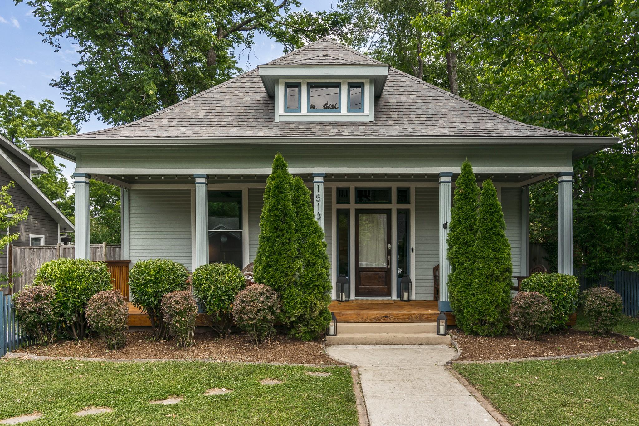 1513 Douglas Ave Property Photo 1