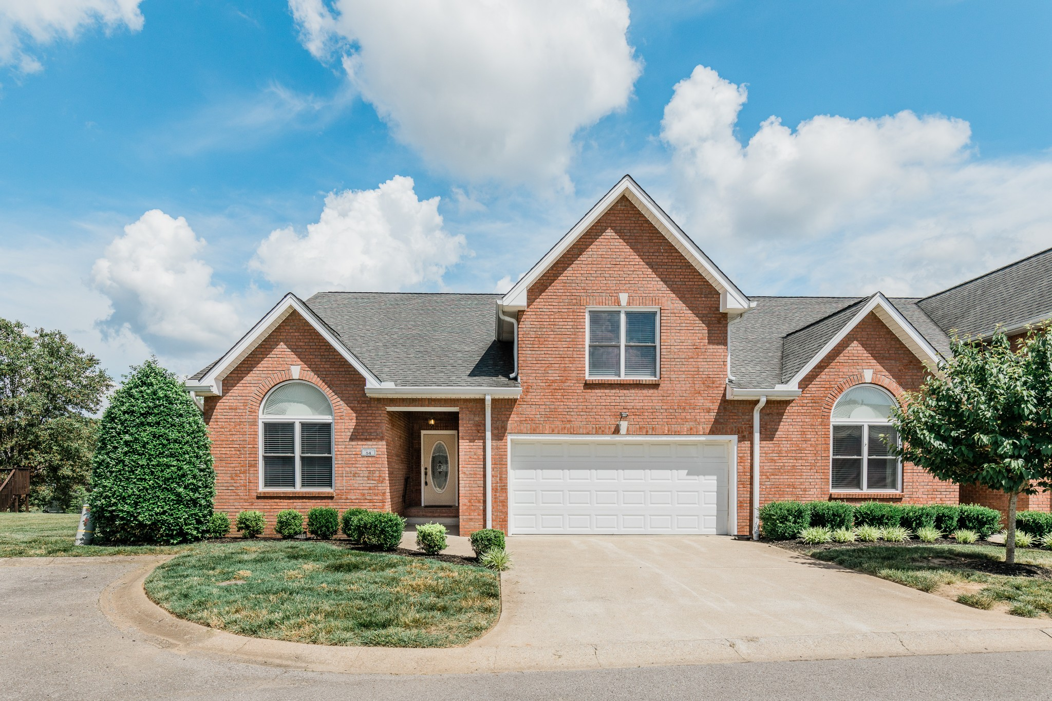 Abby Lynn Condos Real Estate Listings Main Image