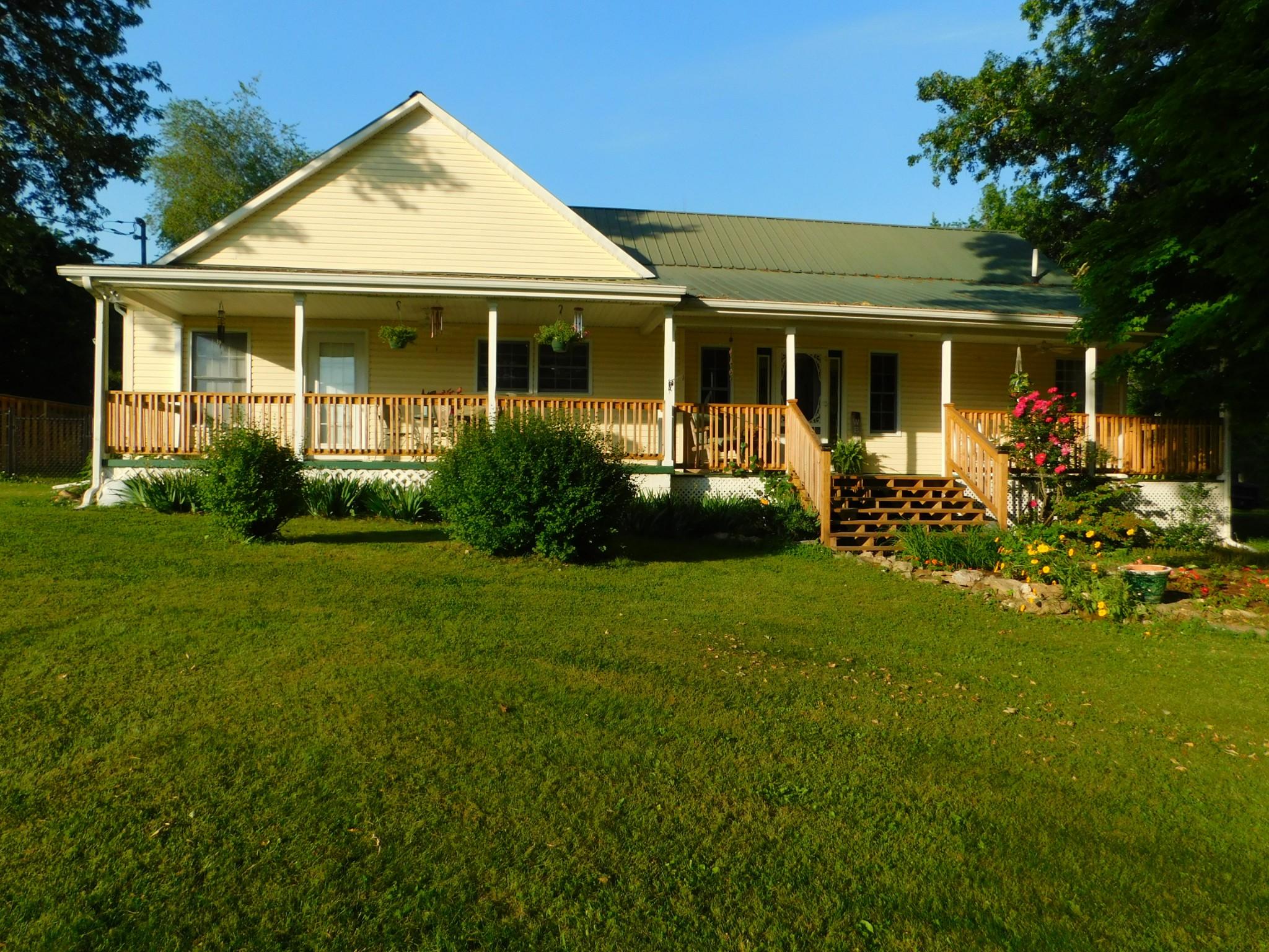 2400 Rock Creek Rd Property Photo