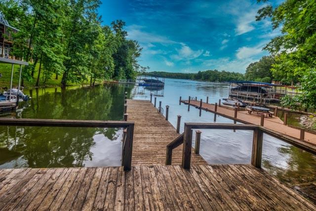 380 Magnolia Dr Property Photo