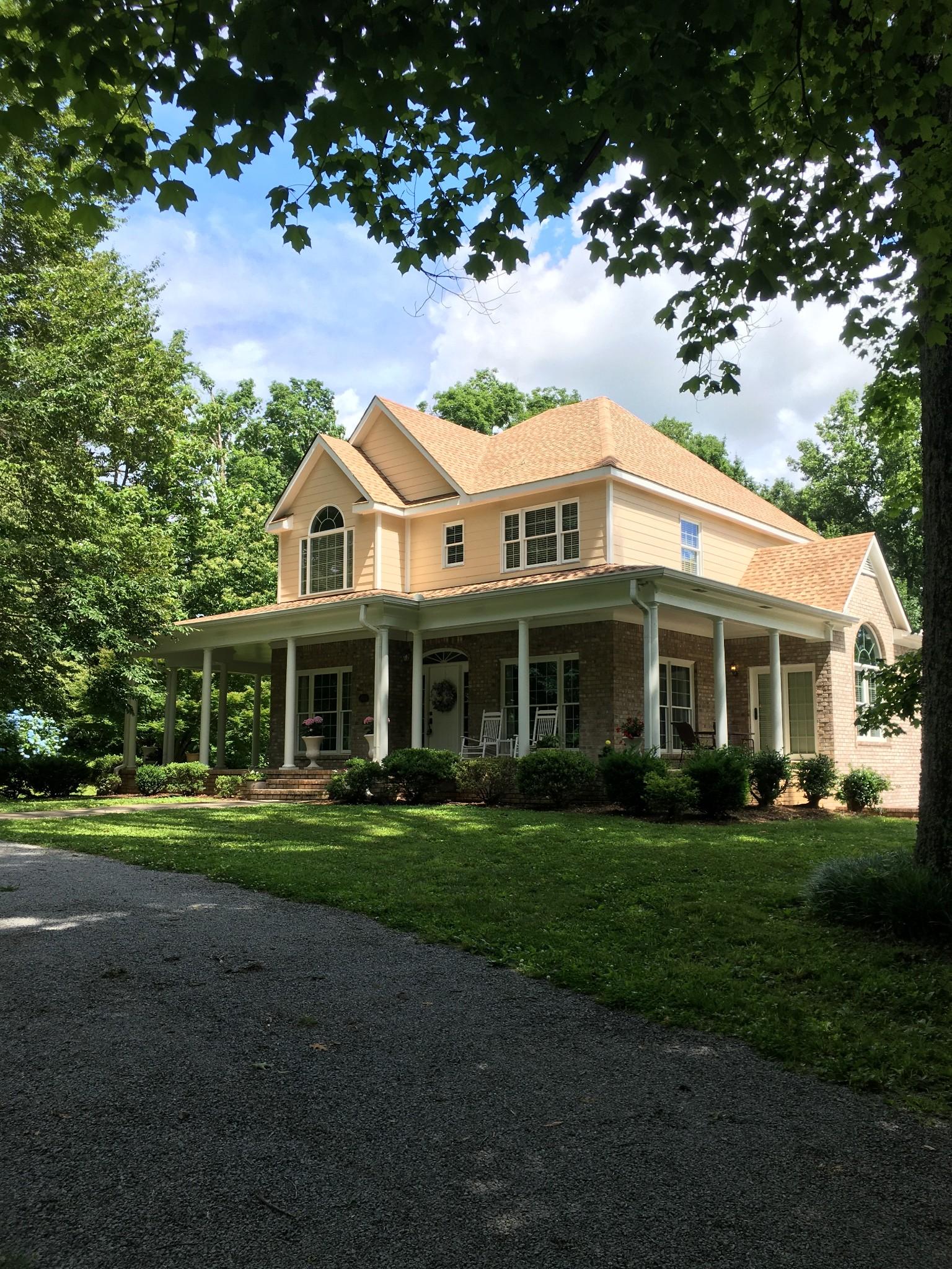 894 Ridgeview Ln Property Photo 1