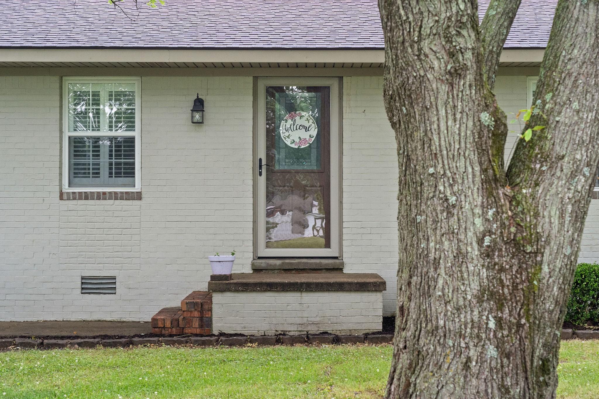 38260 Real Estate Listings Main Image
