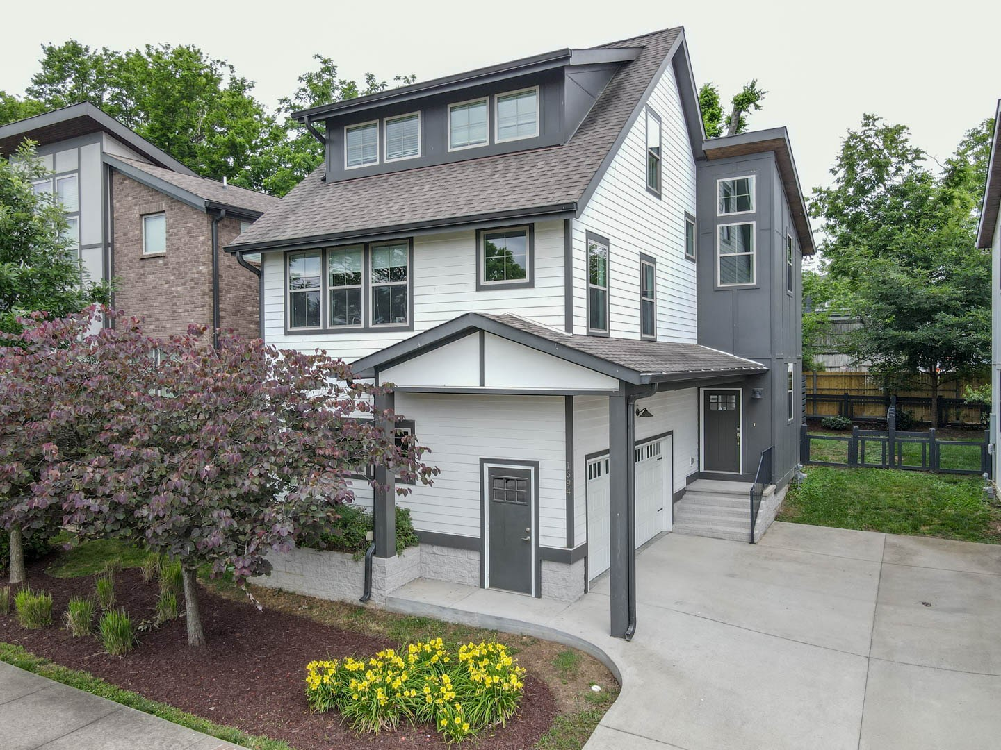 515 Southgate Townhomes Real Estate Listings Main Image