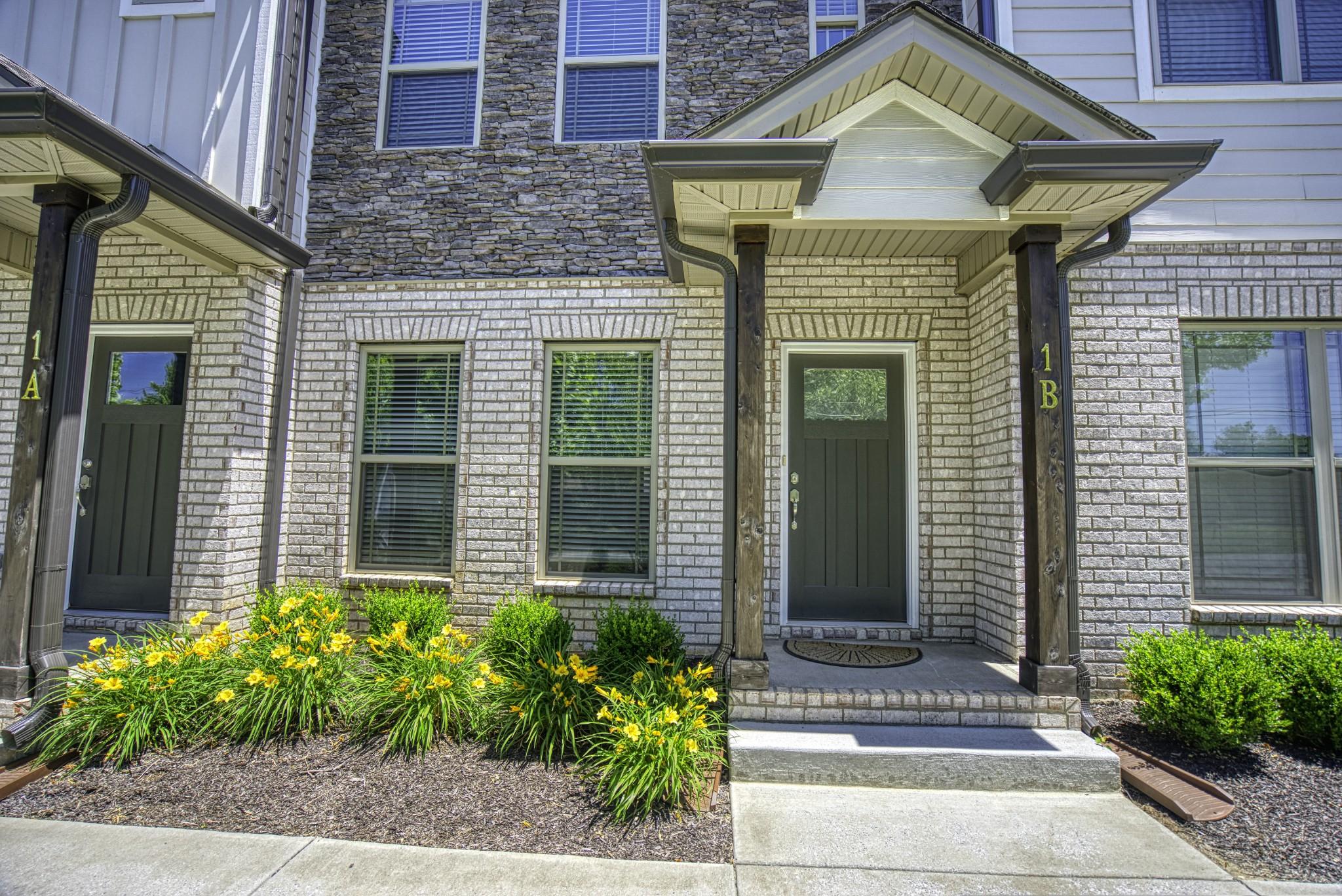 555 Main Real Estate Listings Main Image