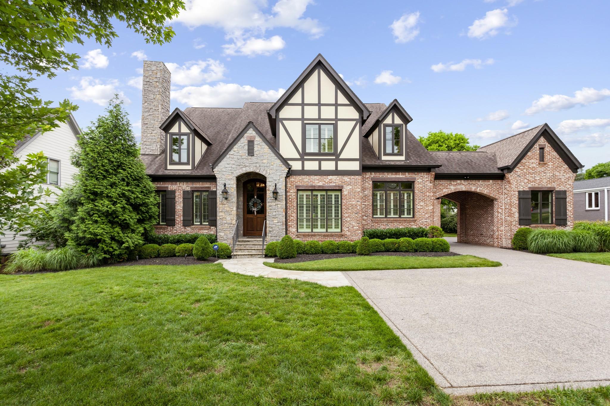 2209 Hobbs Rd Property Photo 1