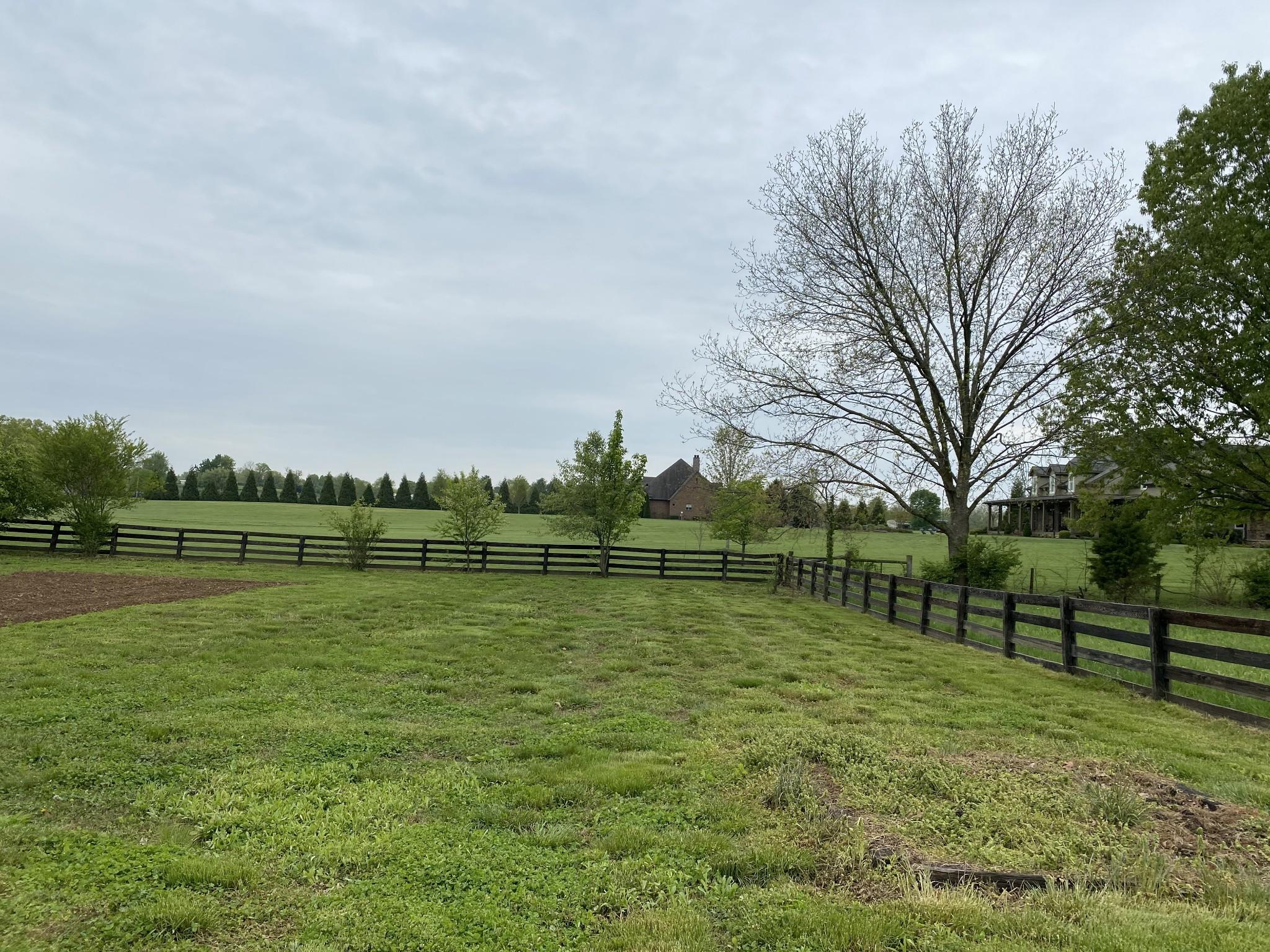 432 Cotton Ln Property Photo