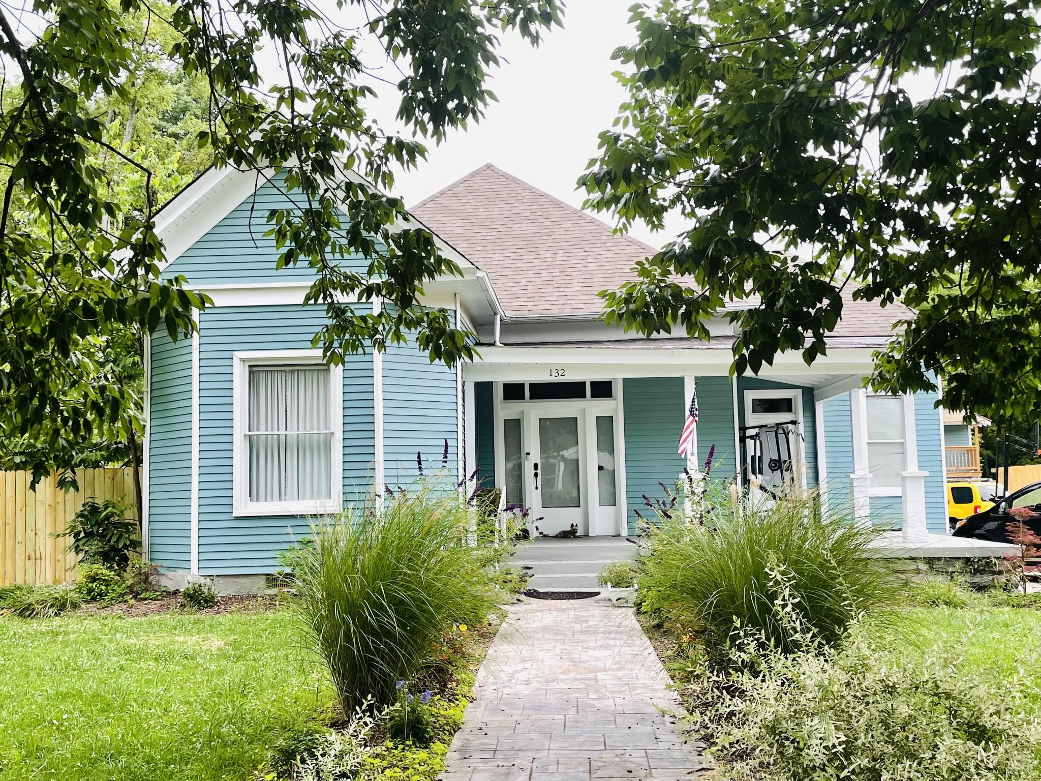 132 S Hatton Ave Property Photo 1