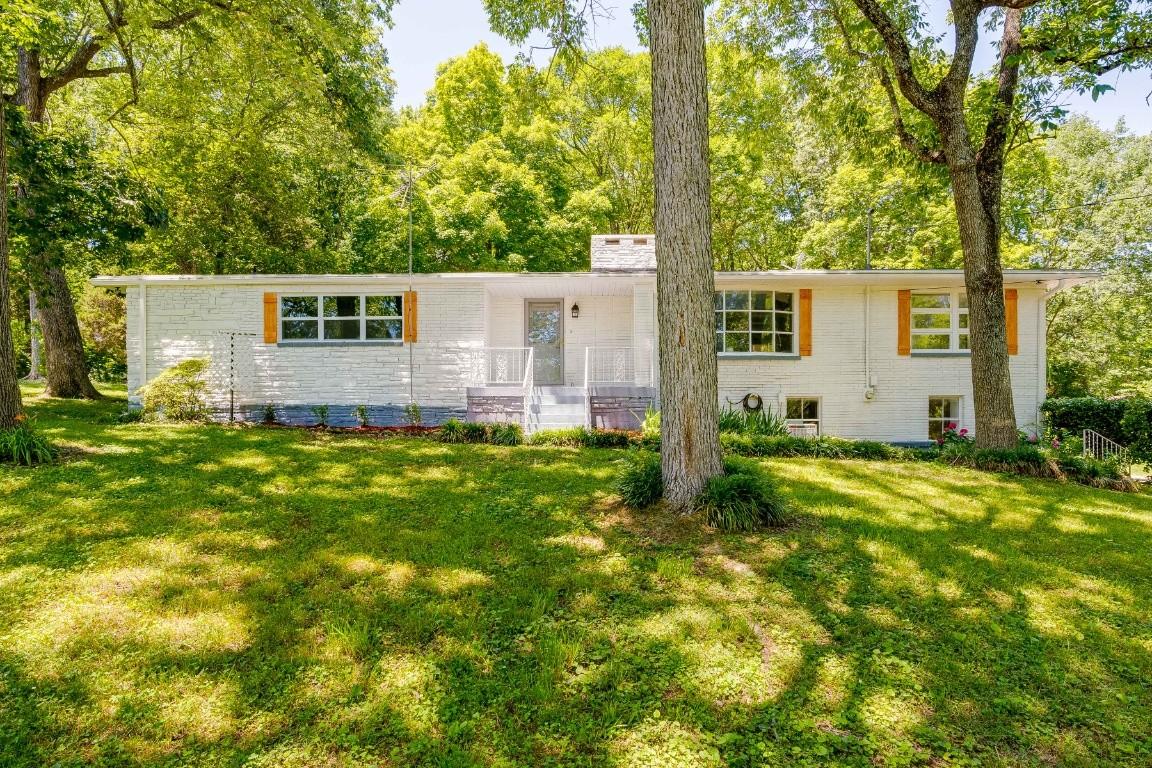 701 N Graycroft Ave Property Photo
