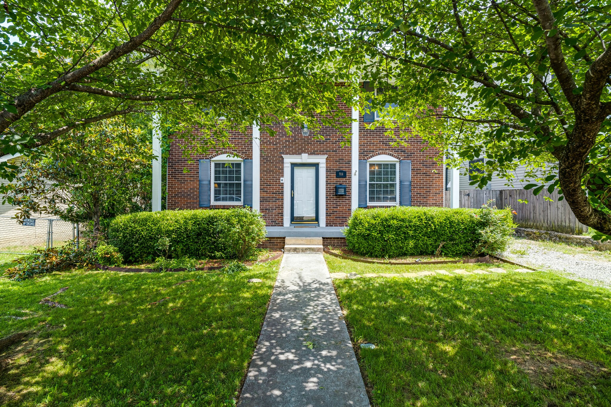 B F Shields Real Estate Listings Main Image