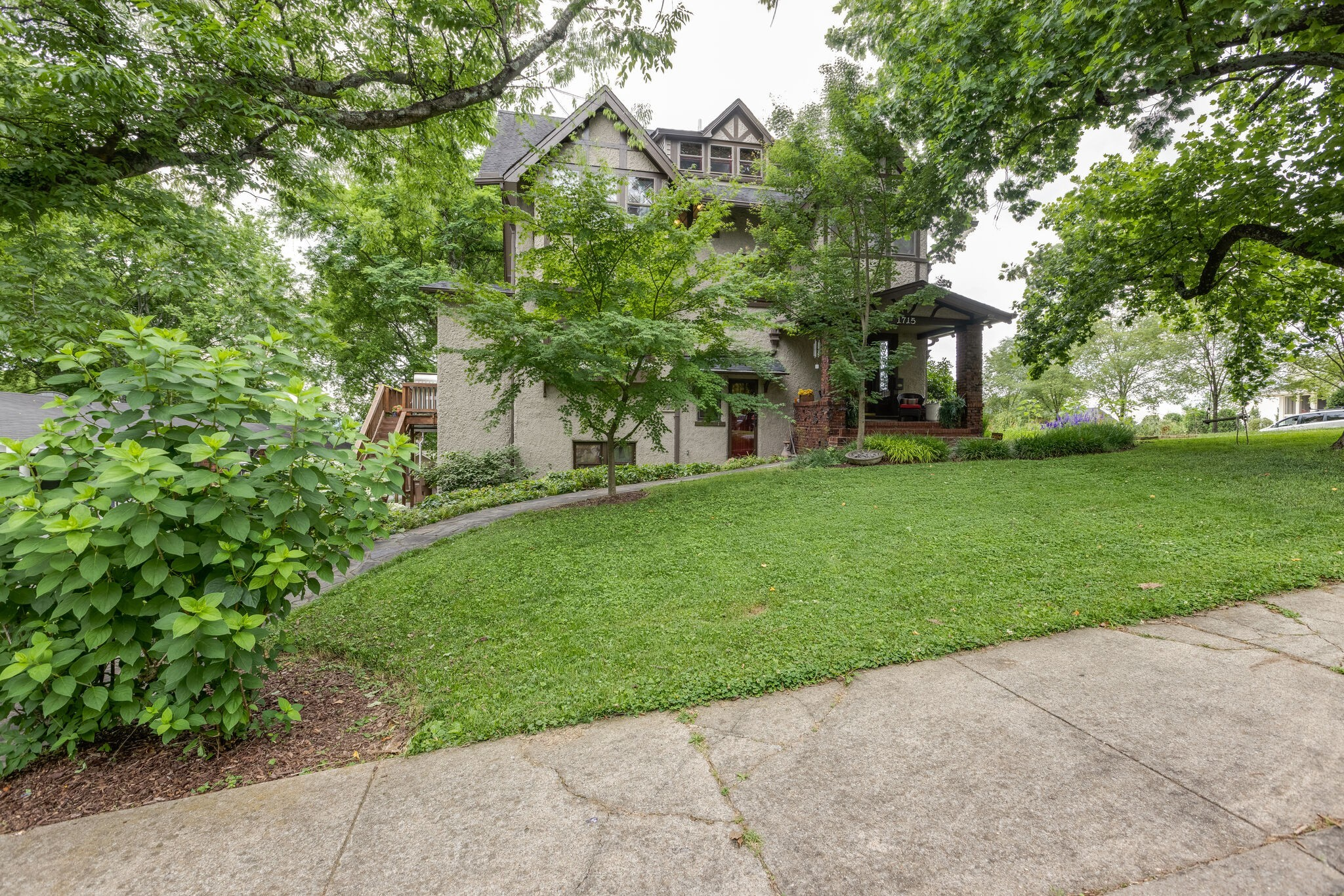 1715 Cedar Ln Property Photo 1