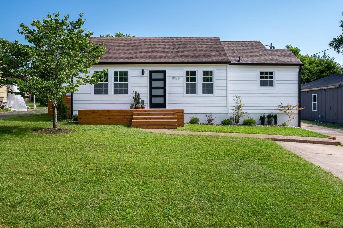 1053 Horseshoe Dr Property Photo