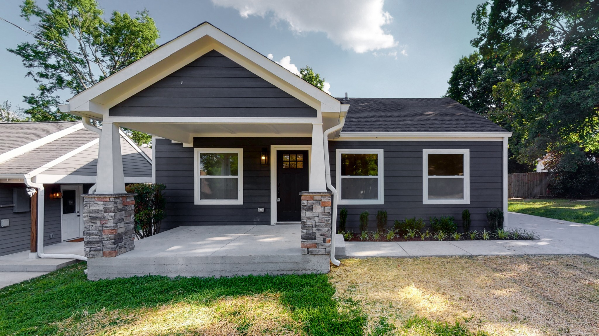 926 Curdwood Blvd Property Photo