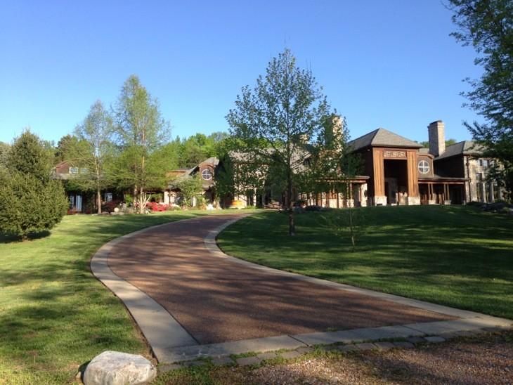 5836 Hillsboro Pike Property Photo 1