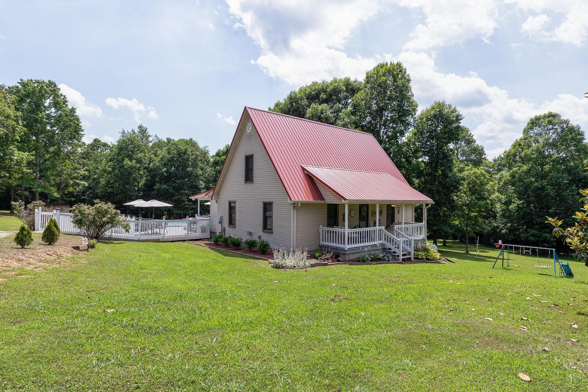 54 Oakwood Ave Property Photo